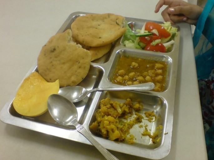 Langar meal – Photo: Tarunjit Singh Butalia