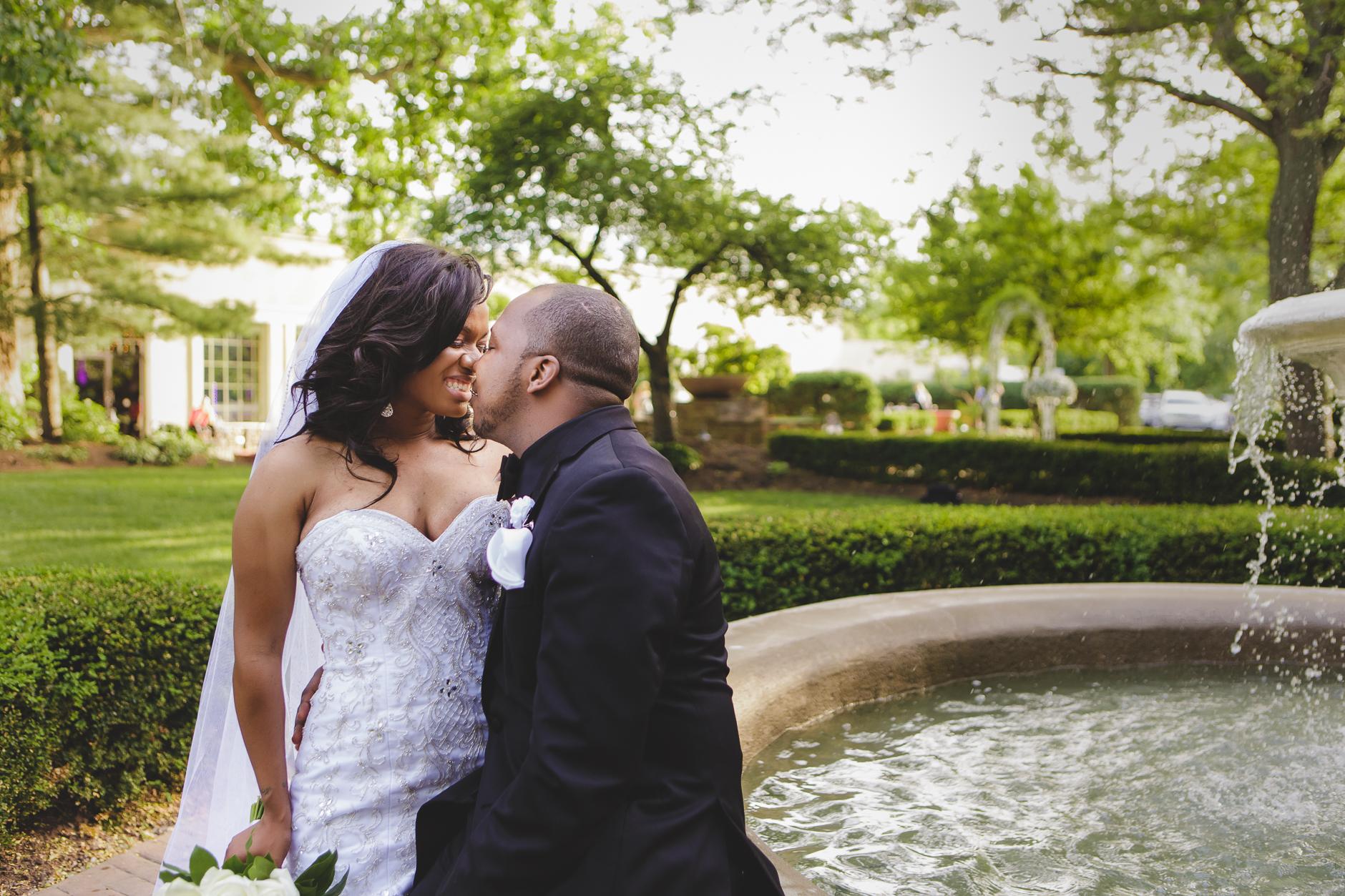 Buffalo-Wedding-Photographer_047.jpg