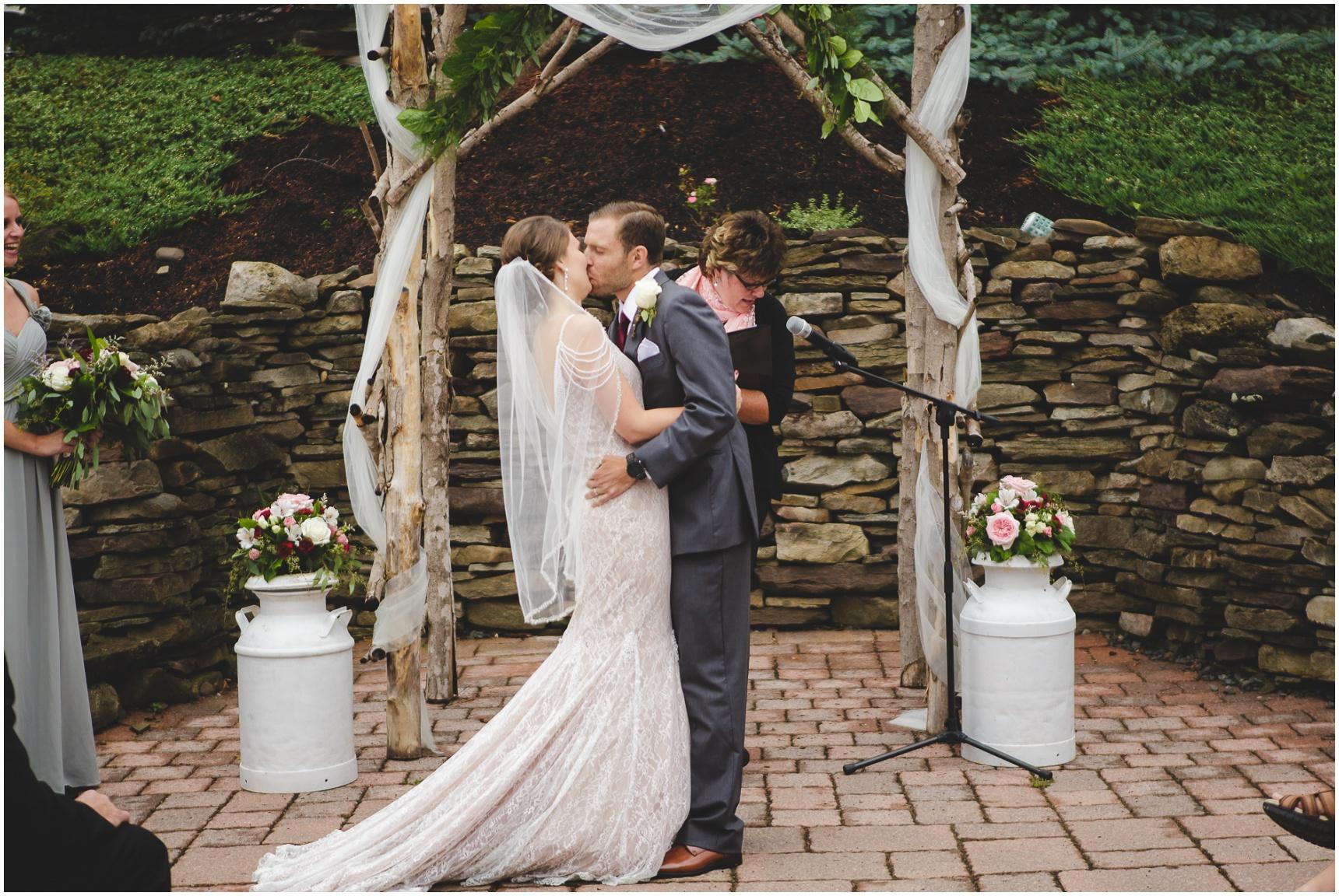 Buffalo_Wedding_Photography_Pics_029.jpg