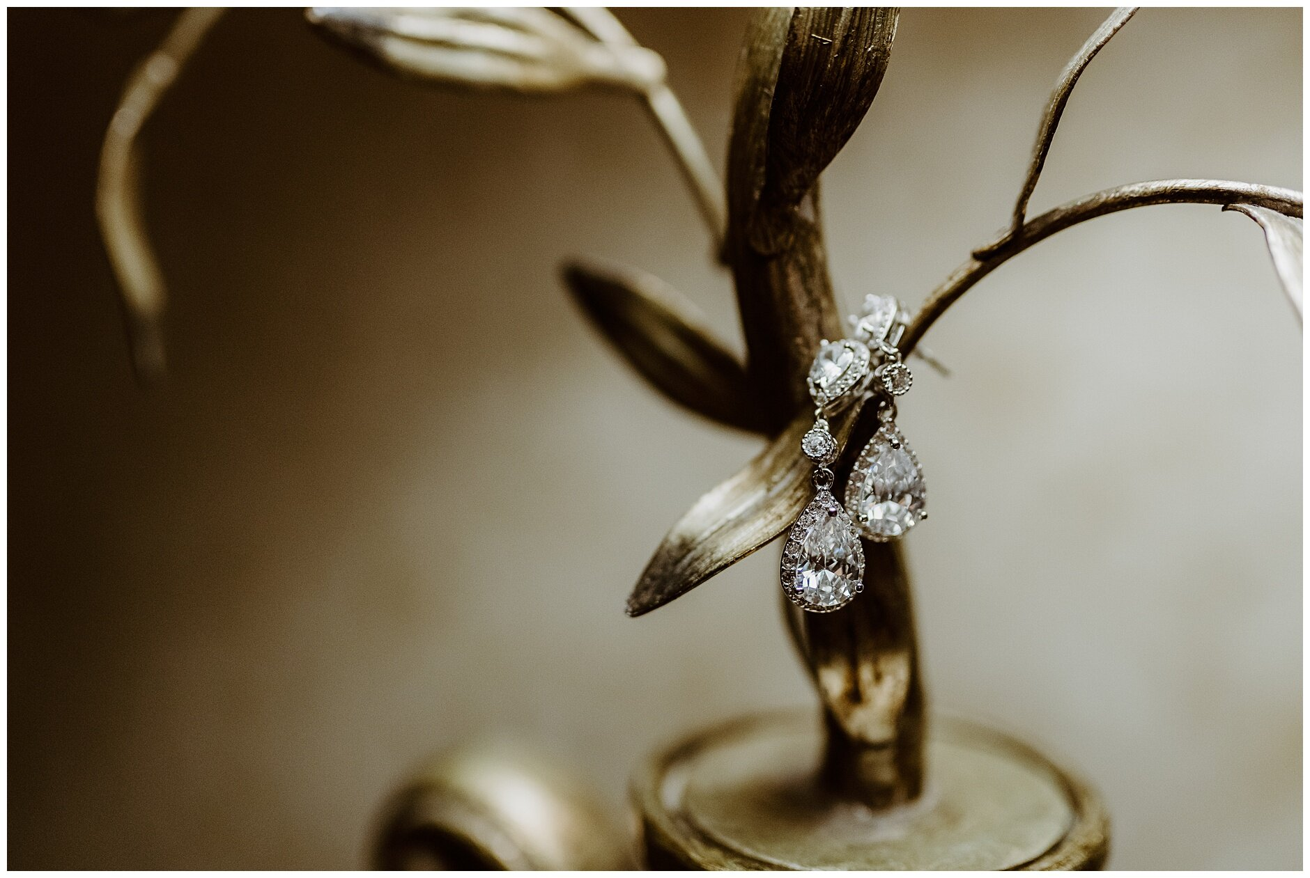 wedding earring Rochester Wedding Photographer