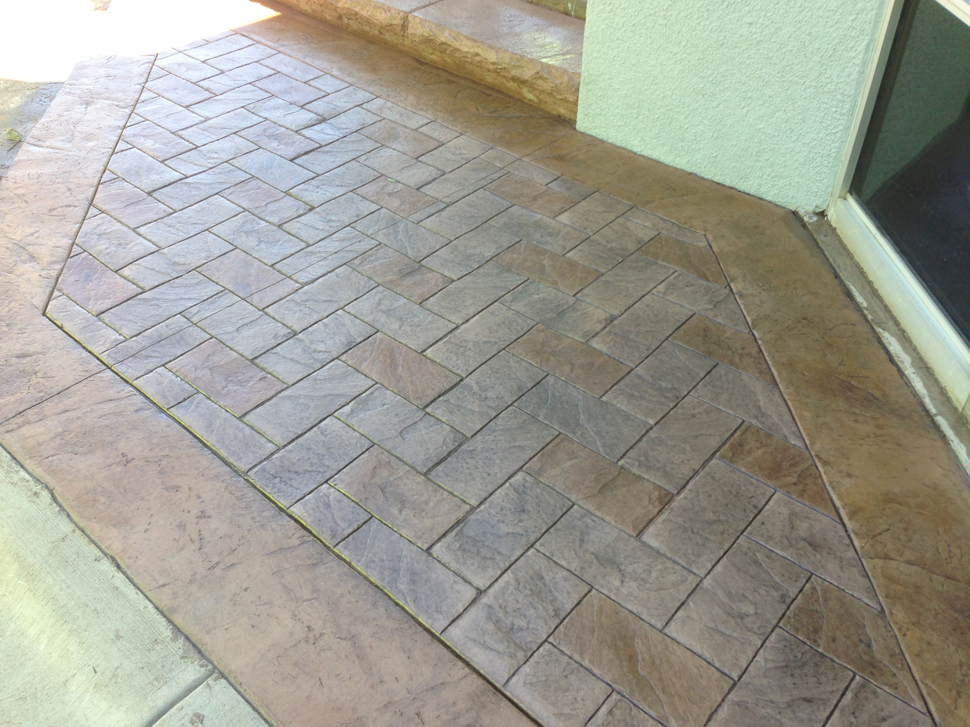 Brickform Large Herringbone FM1700, Solomon Colors Rawhide, Brickform RA Smokey Beige, Artesian Stains, GemSeal