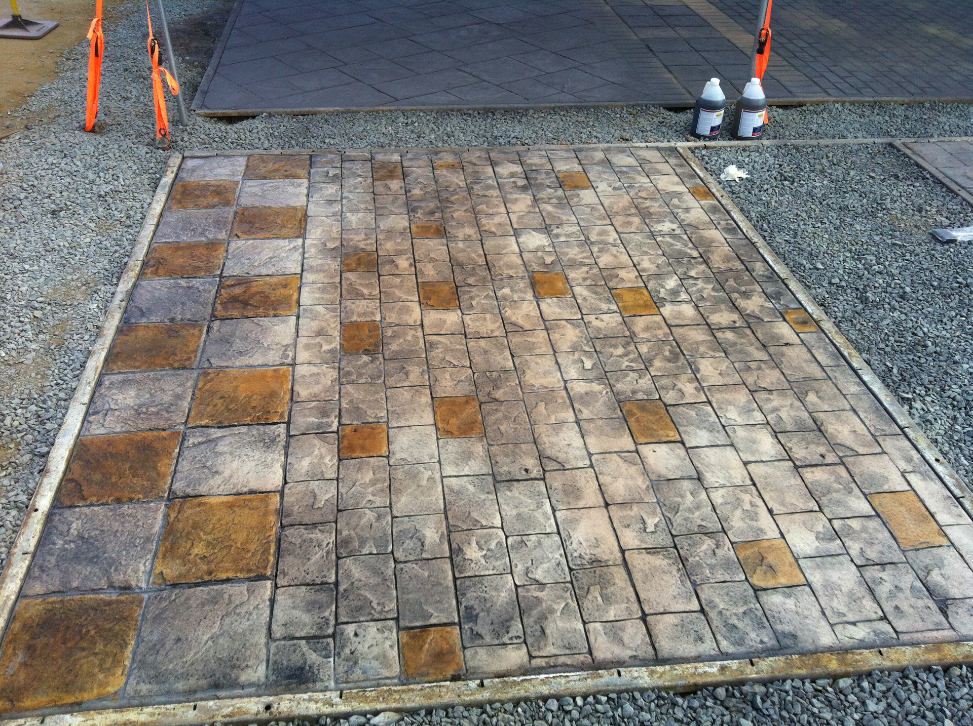 Brickform London Cobble, CH Light Gray, RA Dark Gray, Artesian Stain, Gem Seal