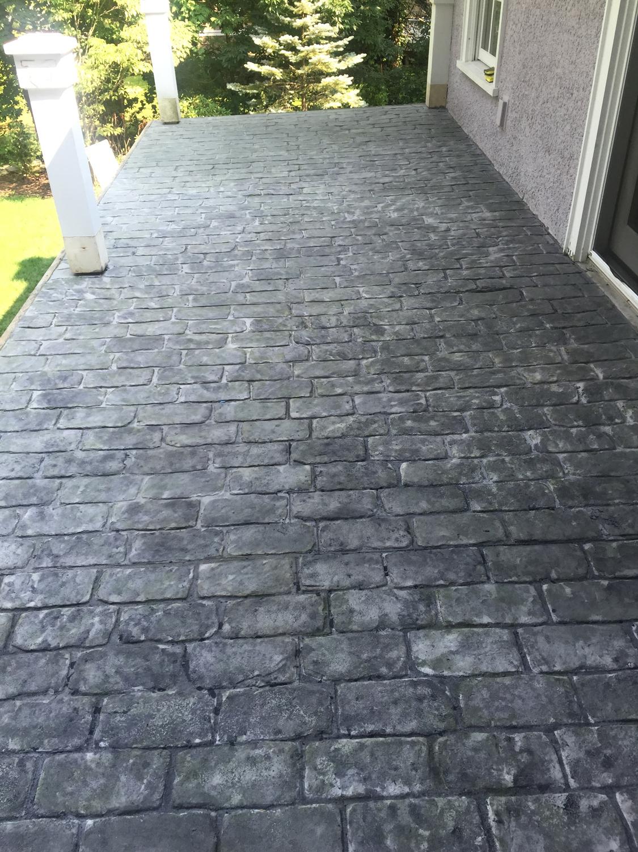 Pennsylvania cobble stone/ stone gray light gray hardener /medium gray release/ brick form cure and seal