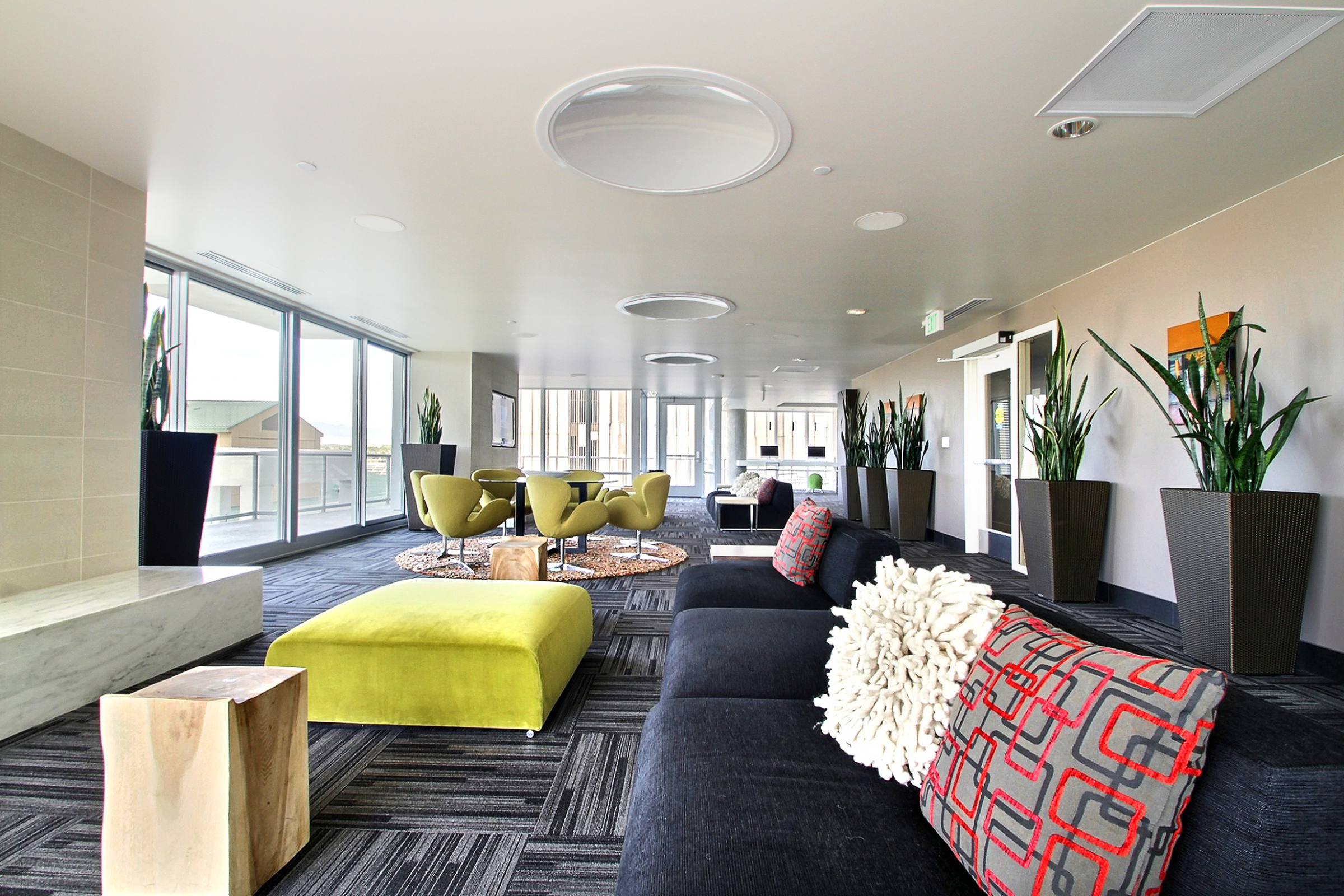 10 Upper Lounge Area and Business Center.jpg