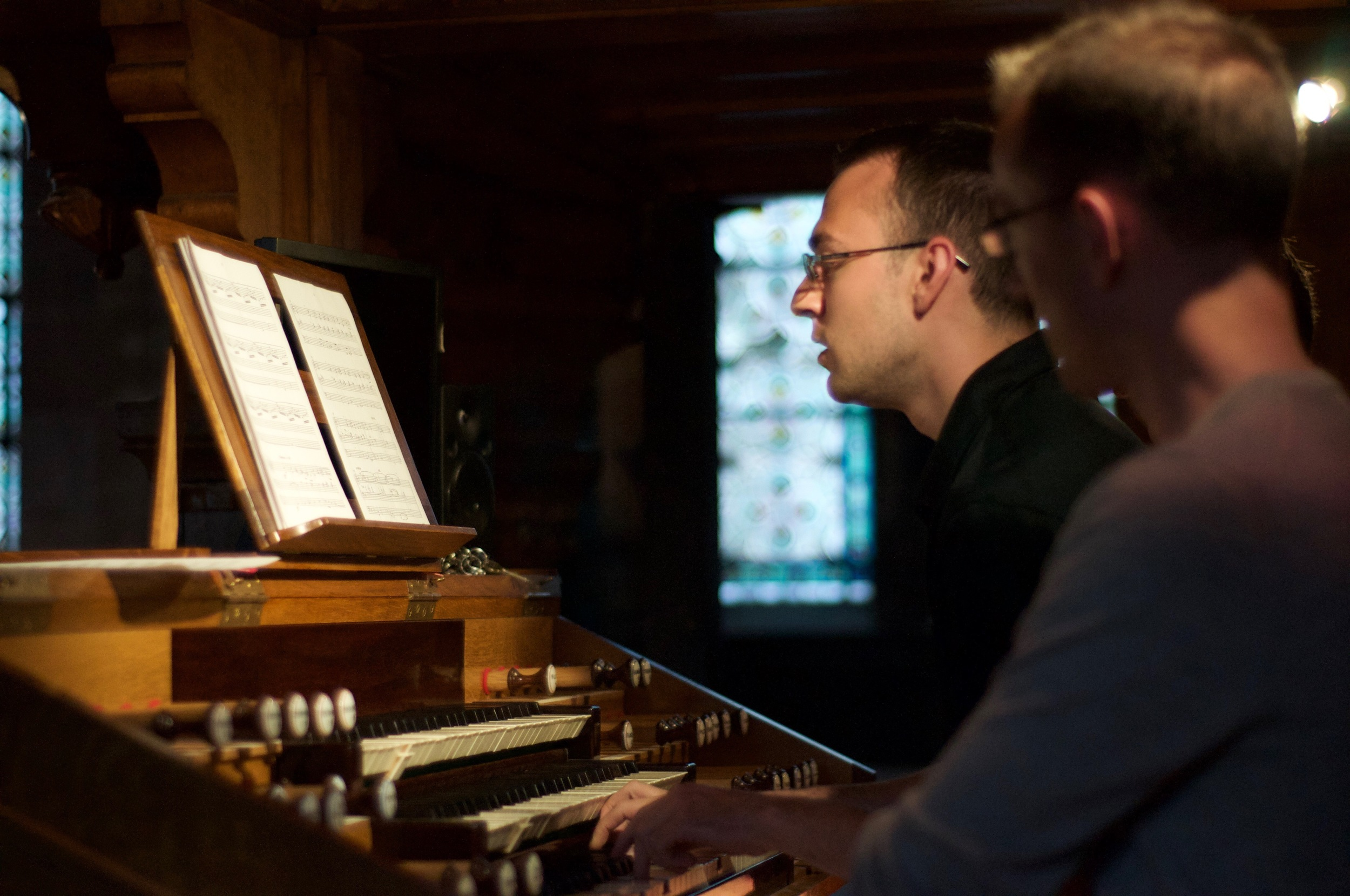 Kade Phillips performs music of Denis Bédard on the Merklin organ.