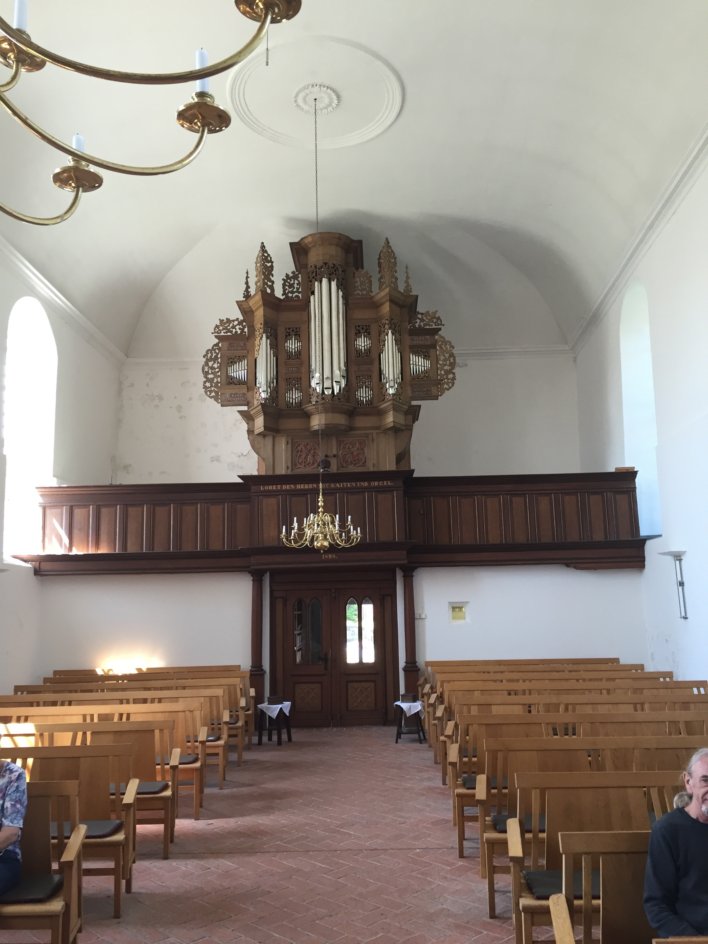 Thiemo Janssen, our Norden host, gives us a brief overview of the Grotjan organ in Pilsum.