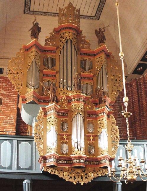 The 1713 Marienhafe Organ