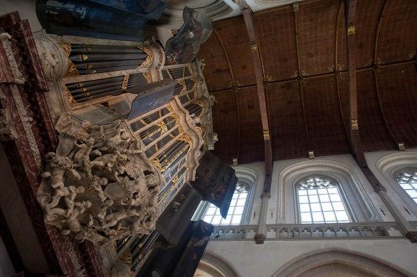 The main organ of Die Niewe Kerk. The original organ was built by Schonat in 1655, and then expanded in 1673 by Van Hagerbeer and Duyschot.