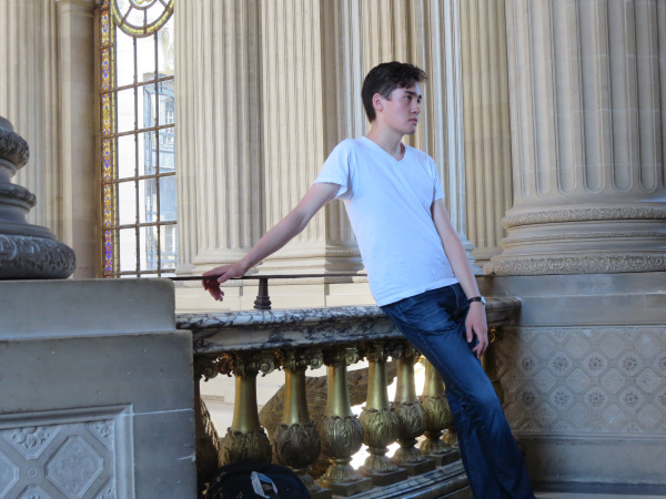 …while Noel poses for Abercrombie Versailles.