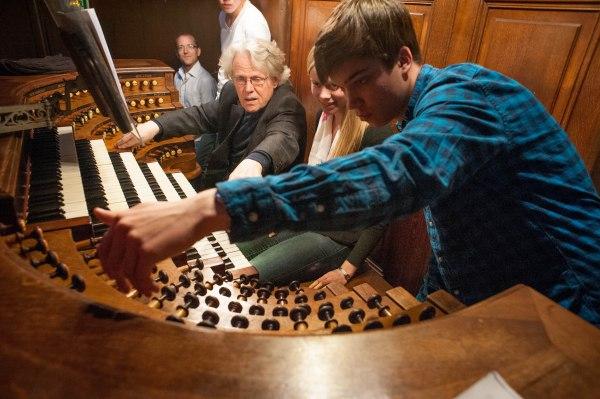 Laura plays Duruflé on the organ of Saint Sulpice.