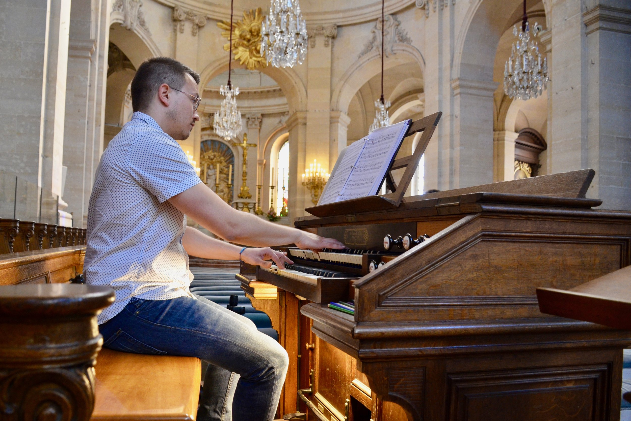Corey de Tar plays the Choir Organ at Saint Louis in Versailles