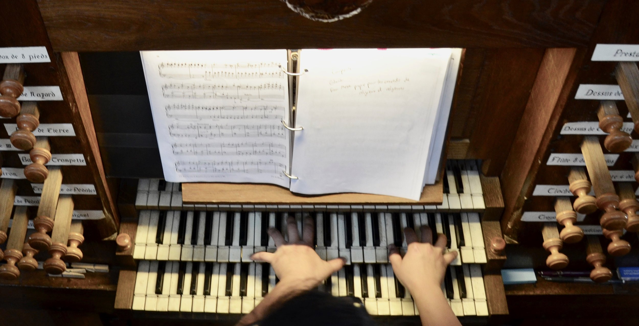 Jennifer Hsiao plays the French Classical instrument at Rozay-en-Brie