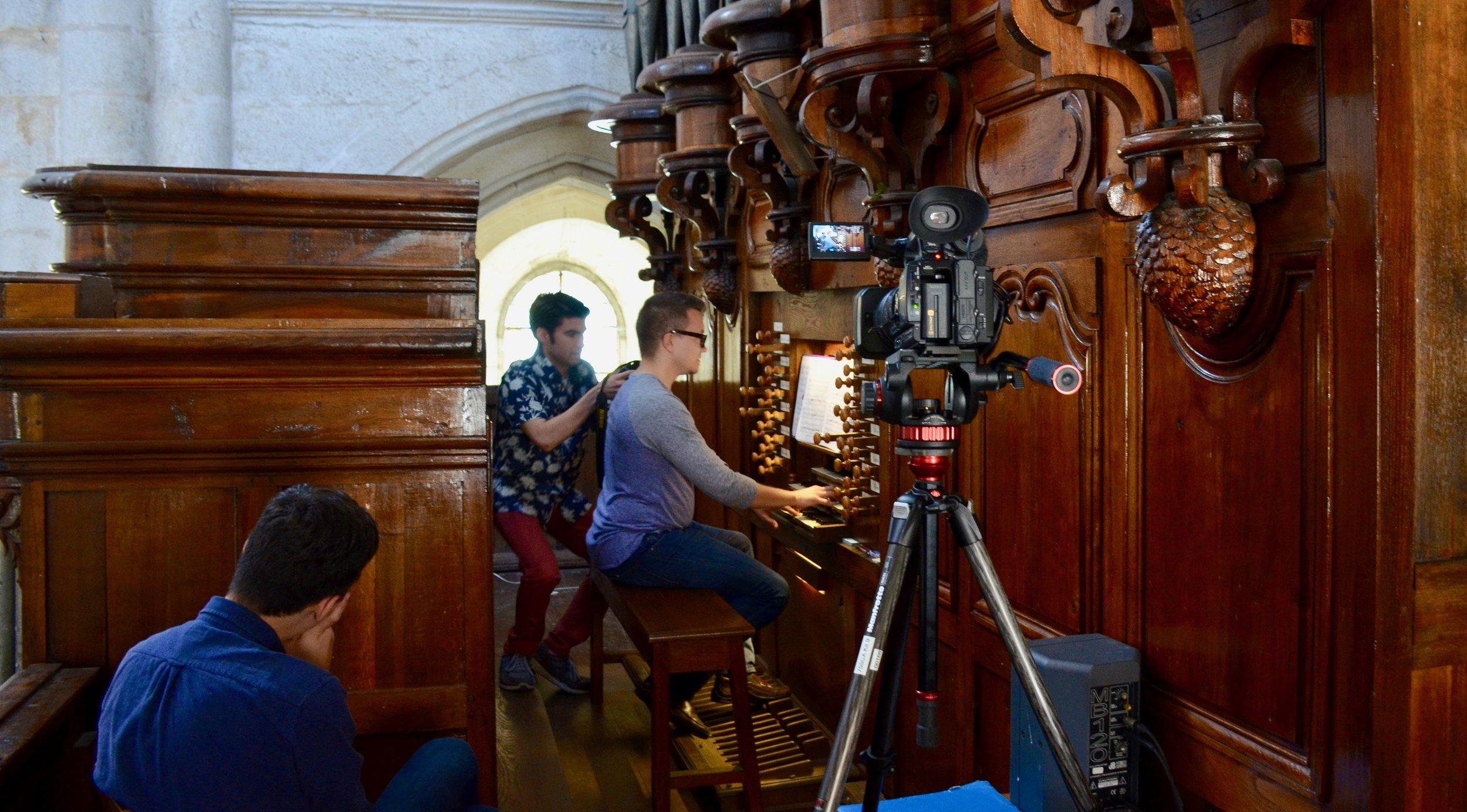 Corey de Tar playing the organ at Rozay-en-Brie!