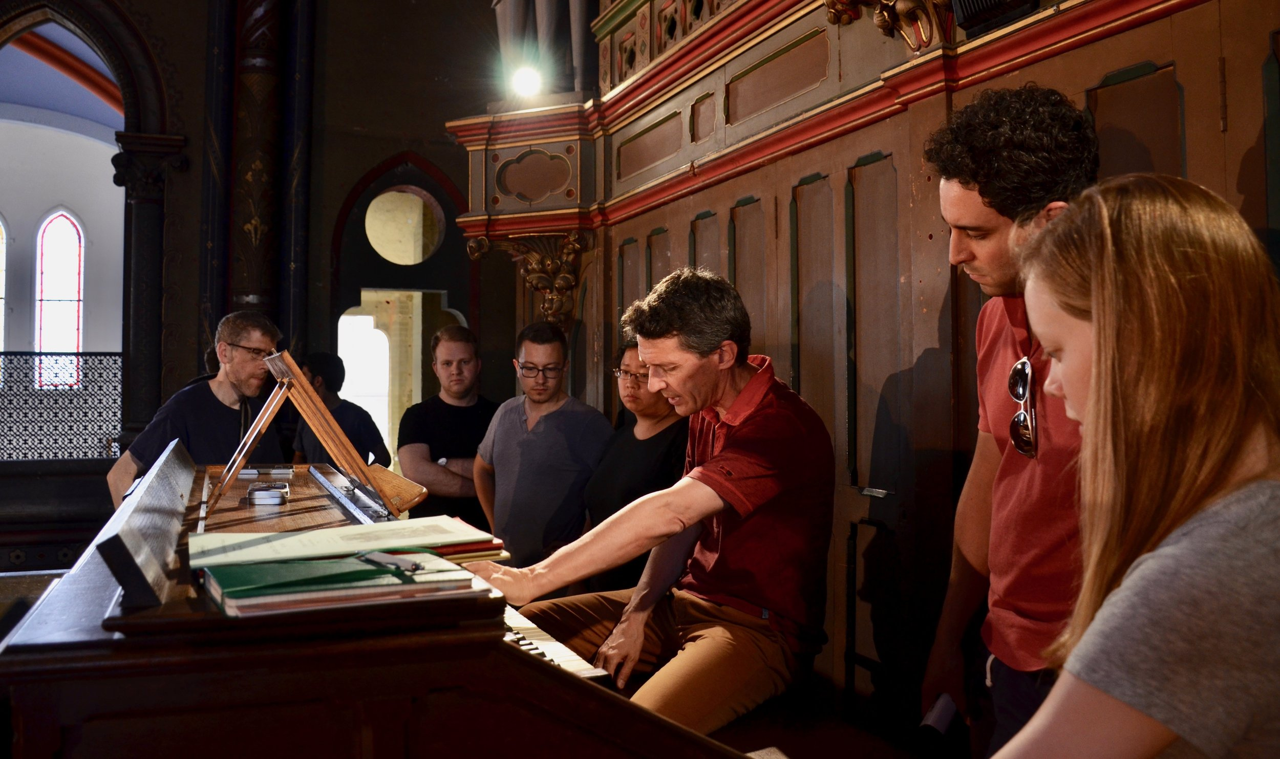 Yves Rechsteiner demonstrating the Cavaillé-Coll instrument in the Gésu Church, Toulouse.