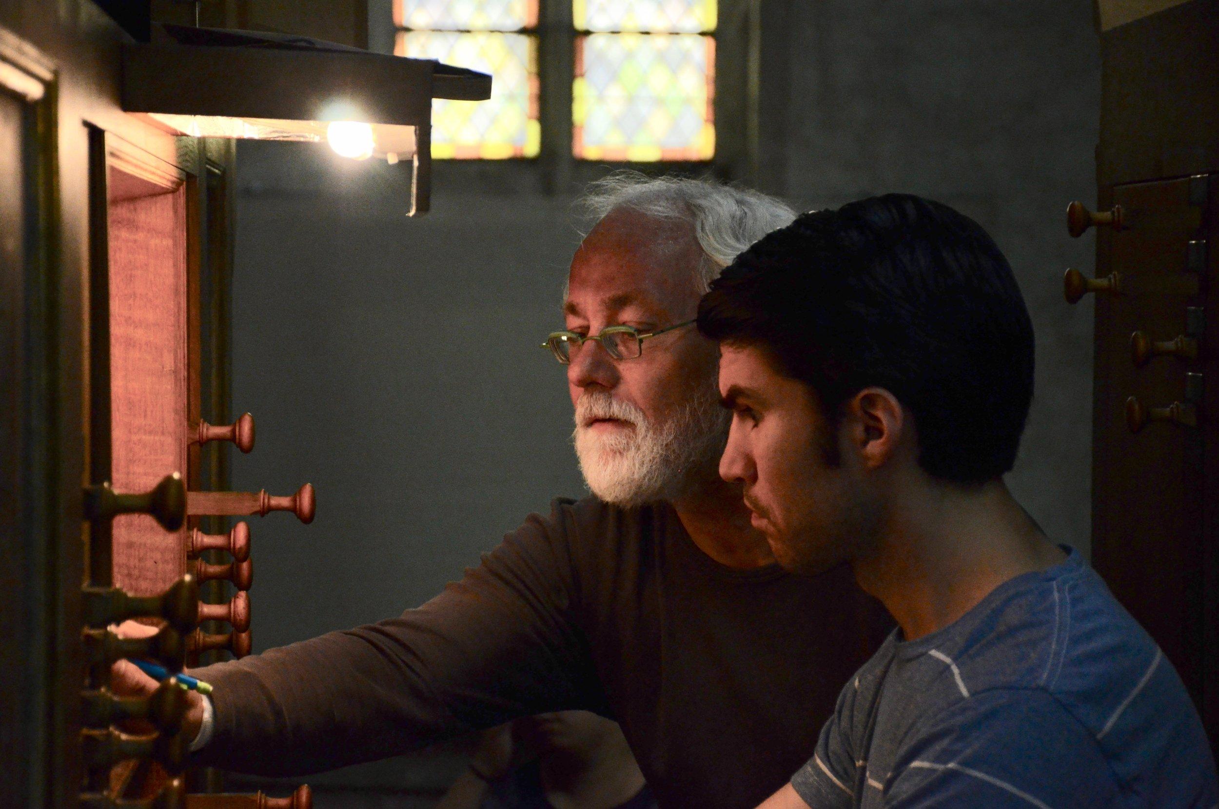 Jan Willem Jansen coaches Brandon Santini on Buxtehude's music. Boston Organ Studio.