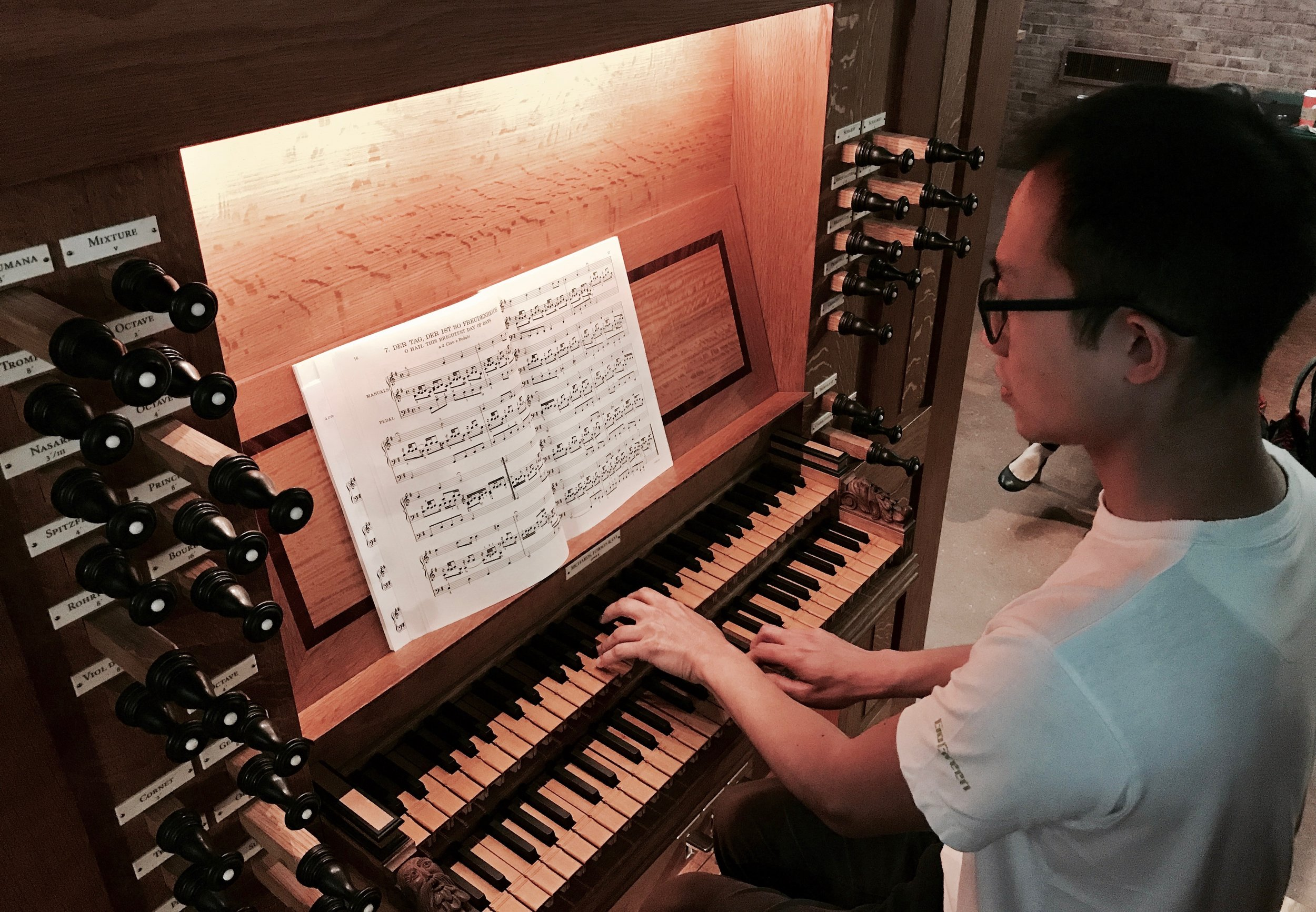 Organist Dennis Chan plays Bach at First Lutheran Church