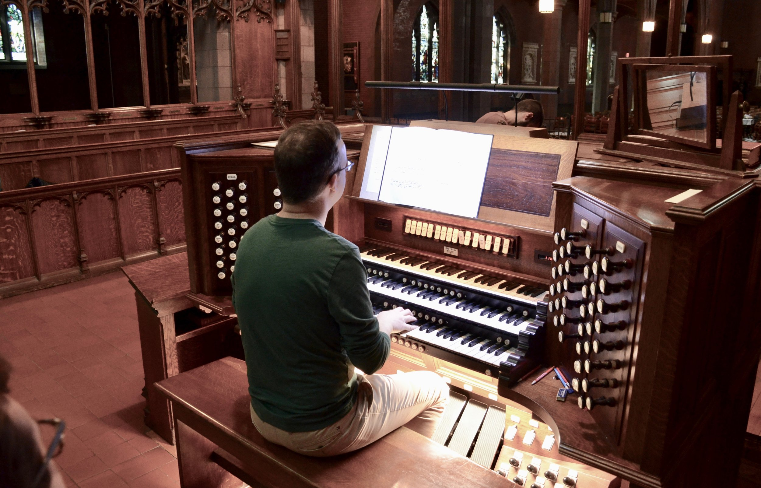 Rob Kubli plays the Lively-Fulcher organ at Christ Church New Haven