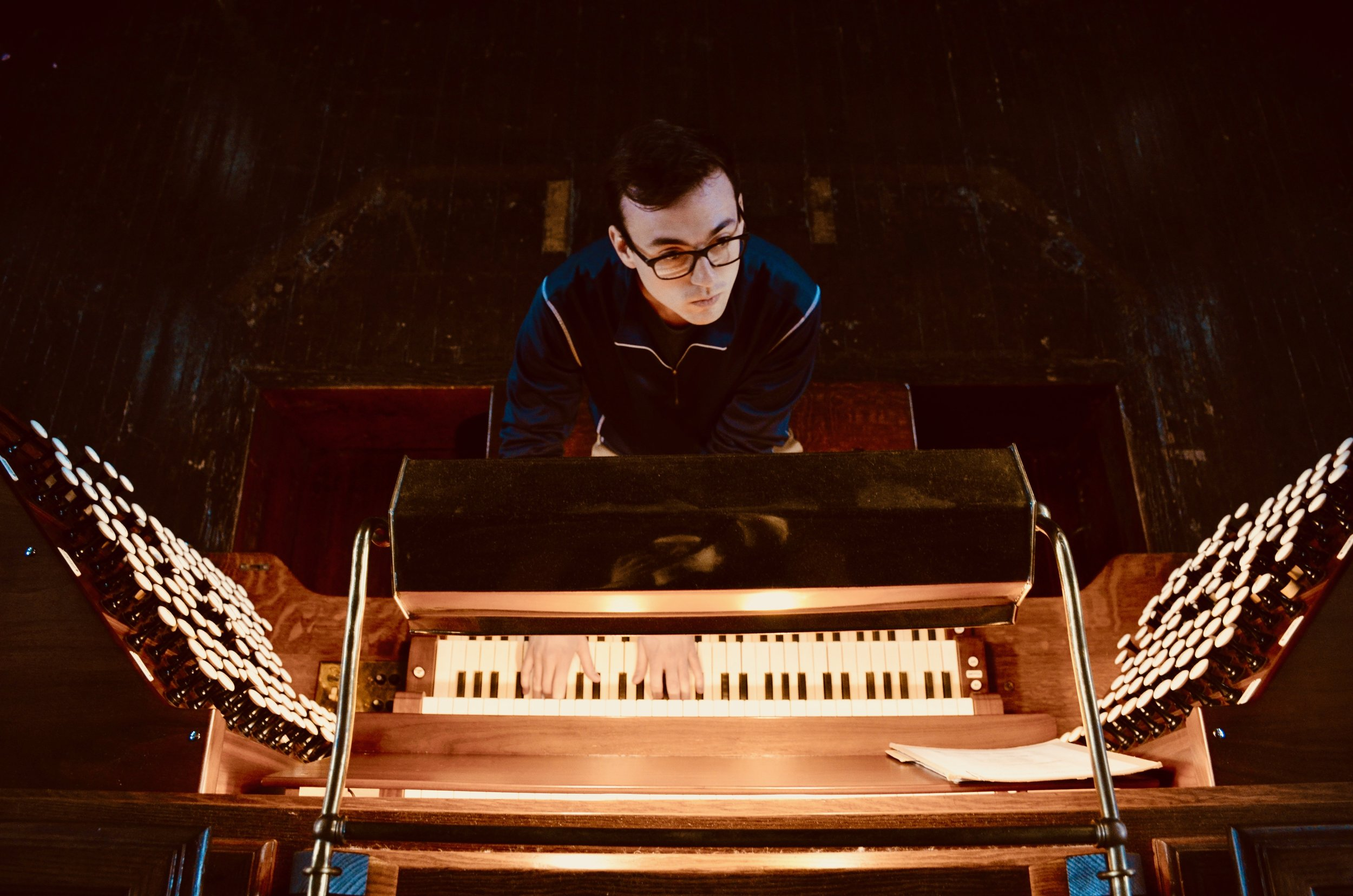 Kade Phillips plays the Skinner organ in Woolsey Hall, Yale University