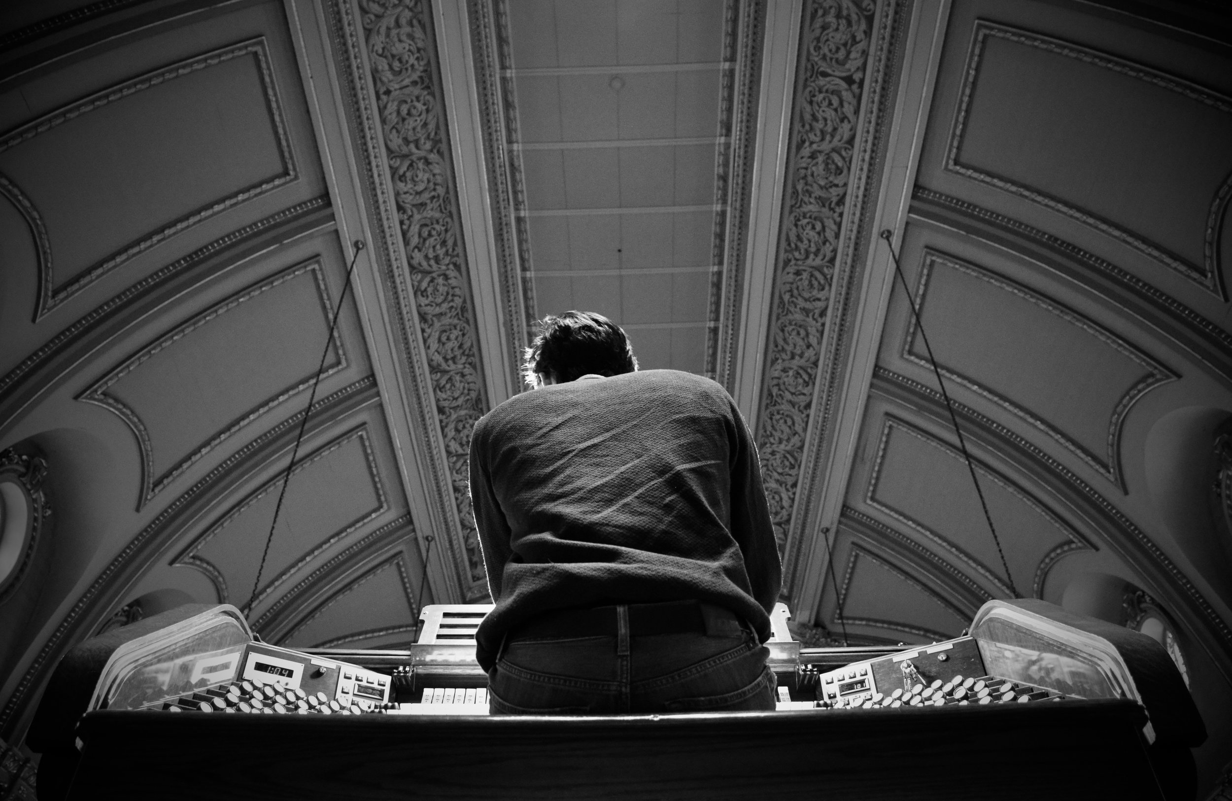 Elliot Parlin plays Casavant organ, Eglise St-Jean Baptiste, Montreal. Boston Organ Studio.