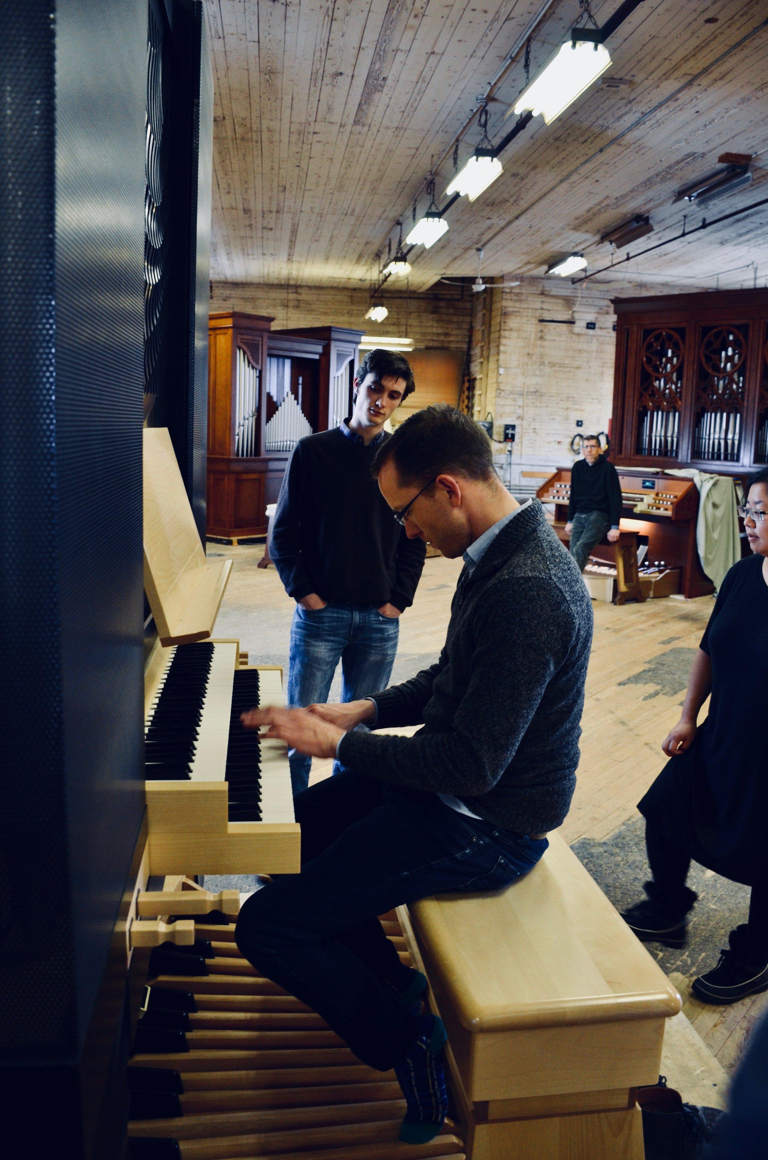Christian Lane plays a new practice organ.Boston Organ Studio tour of the Casavant Pipe Organ Shop, St-Hyacinthe, Quebec