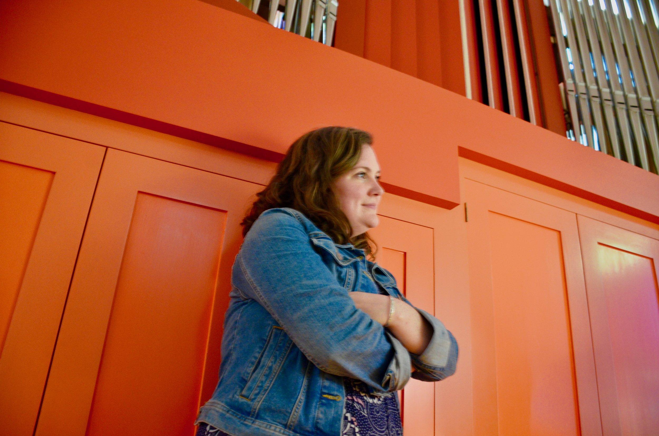 Chelsea Keating observes at Orgelpark, Amsterdam.