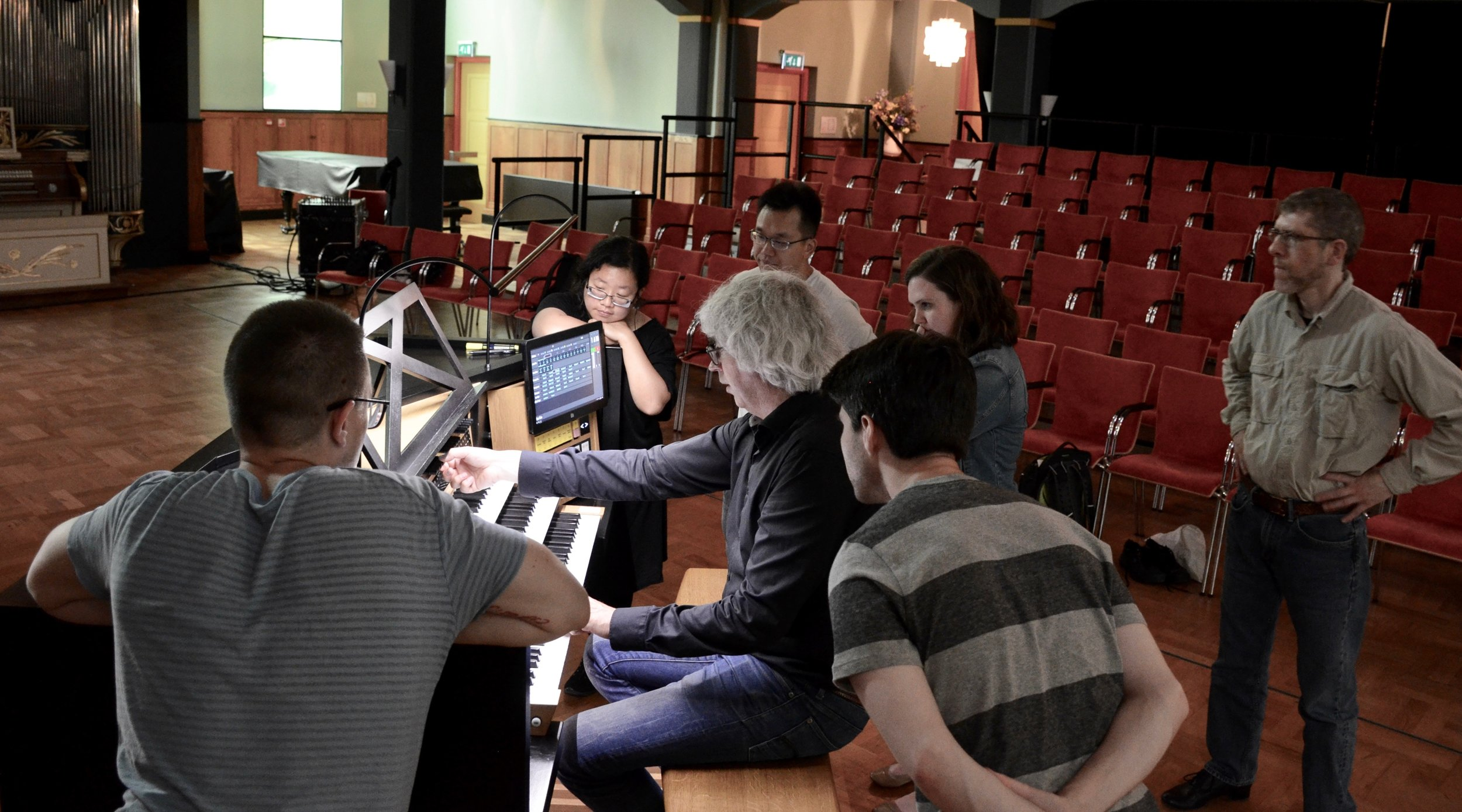 Hans Fidom demonstrates the MIDI capabilities of the electronic console at Orgelpark, Amsterdam.
