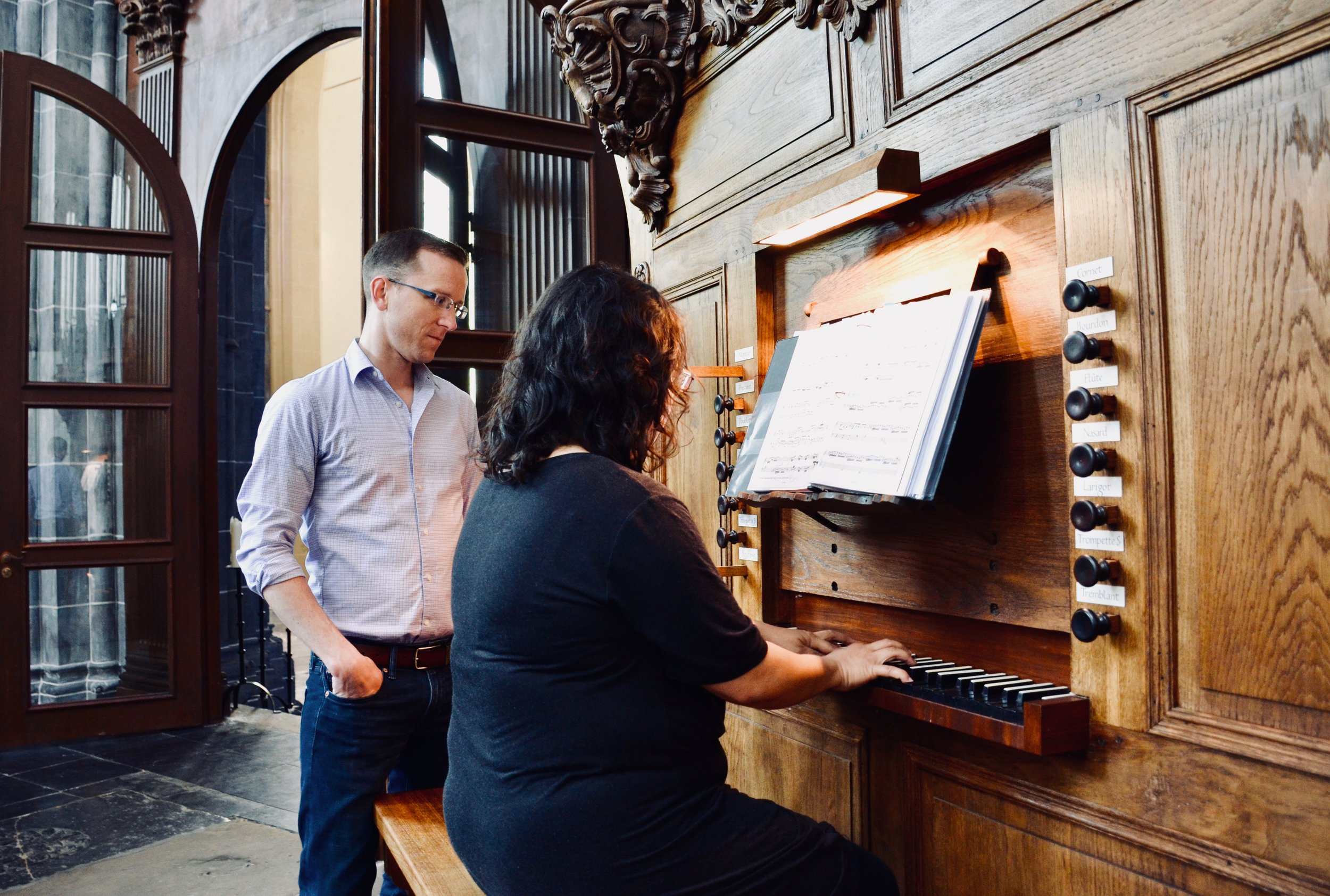 Jennifer Hsiao plays the 1742 Le Picard organ in Martinikerk, Groningen, with Christian Lane. Boston Organ Studio.