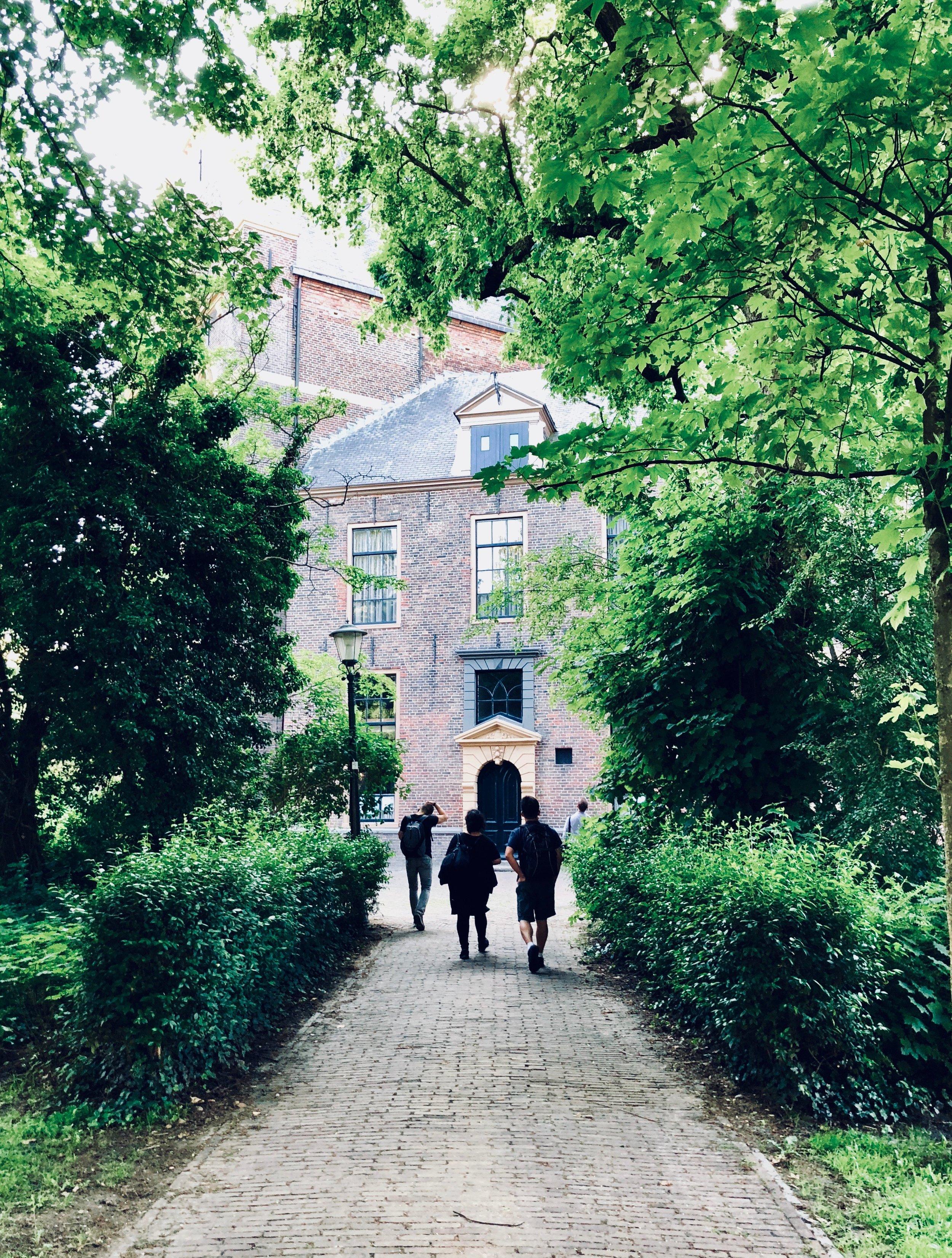 Approaching the Nieuwe Kerk, Groningen.