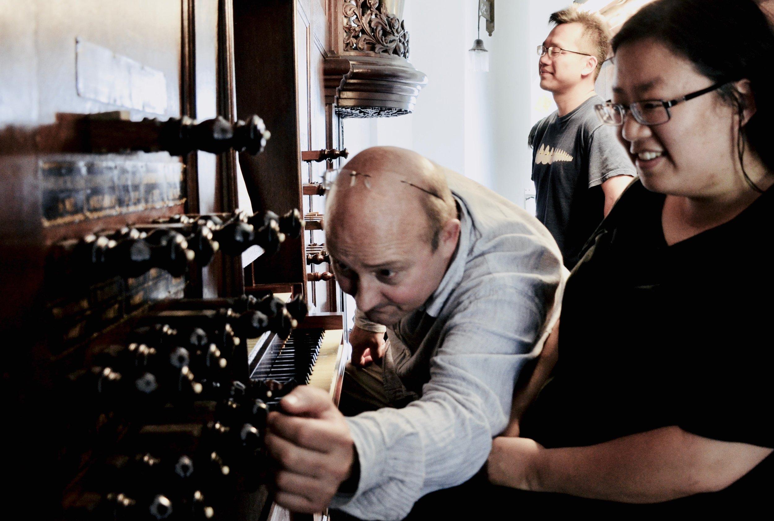 Erwin Wiersinga coaches Jennifer Hsiao on the 1823 Lohman organ in Farmsum, Holland.