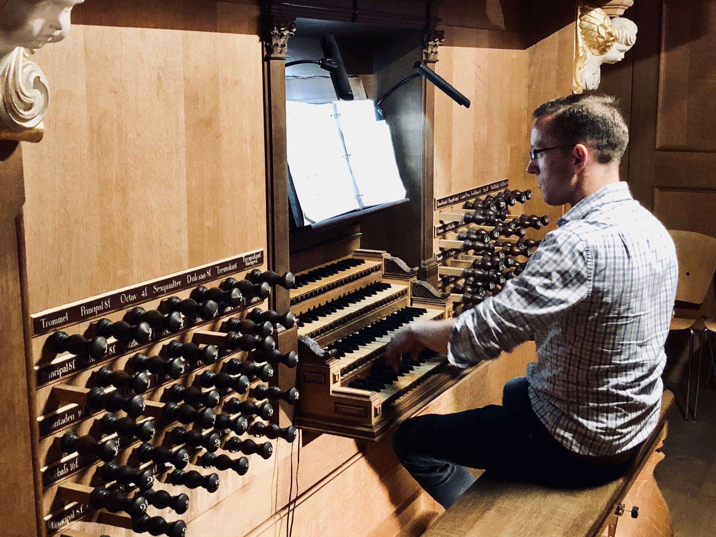 Christian Lane plays the 1693 Schnitger organ, St. Jacobi, Hamburg.