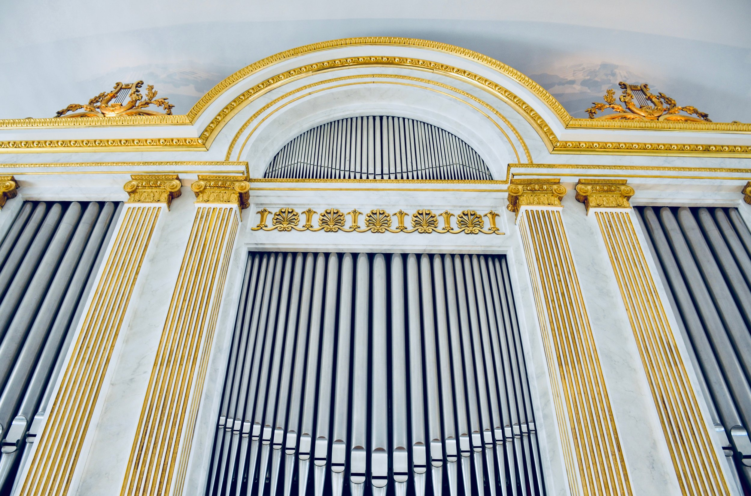 The façade of the Magnusson organ in Göteborg Cathedral.