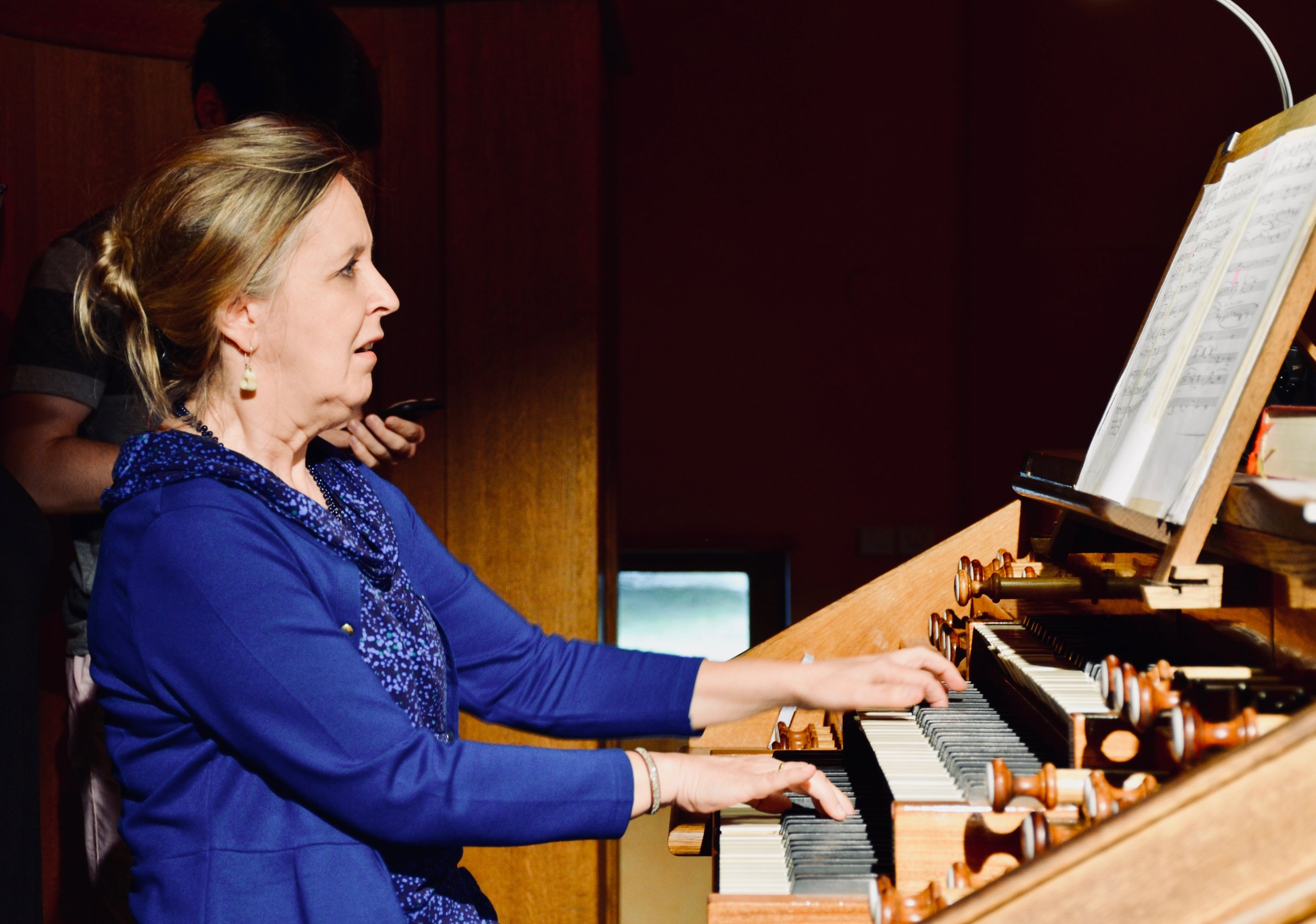 Prof. Karin Nelson demonstrates the 1998 Verschueren organ in Göteborg University.