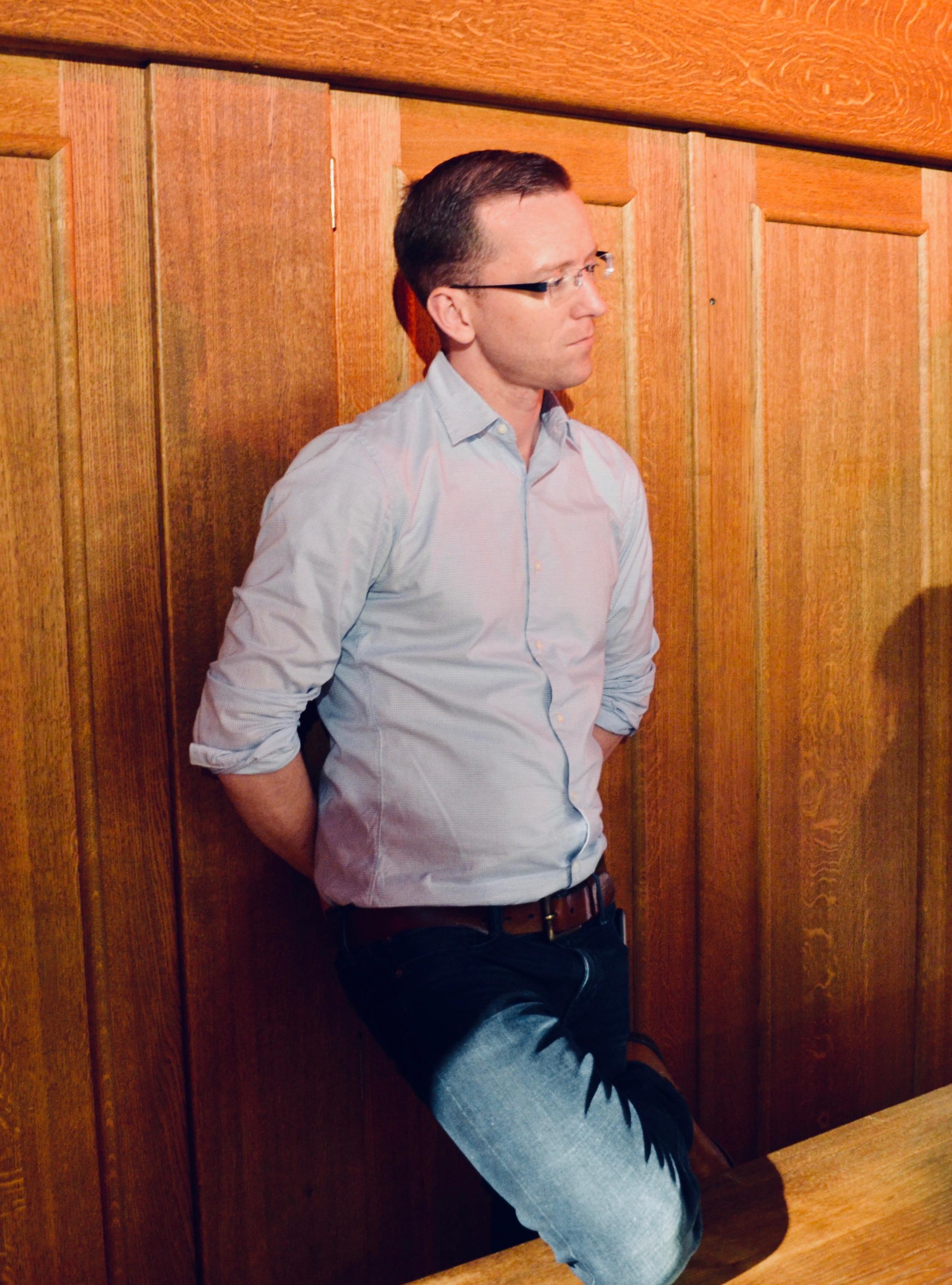 Christian Lane observes a performance in Artisten, Göteborg University.