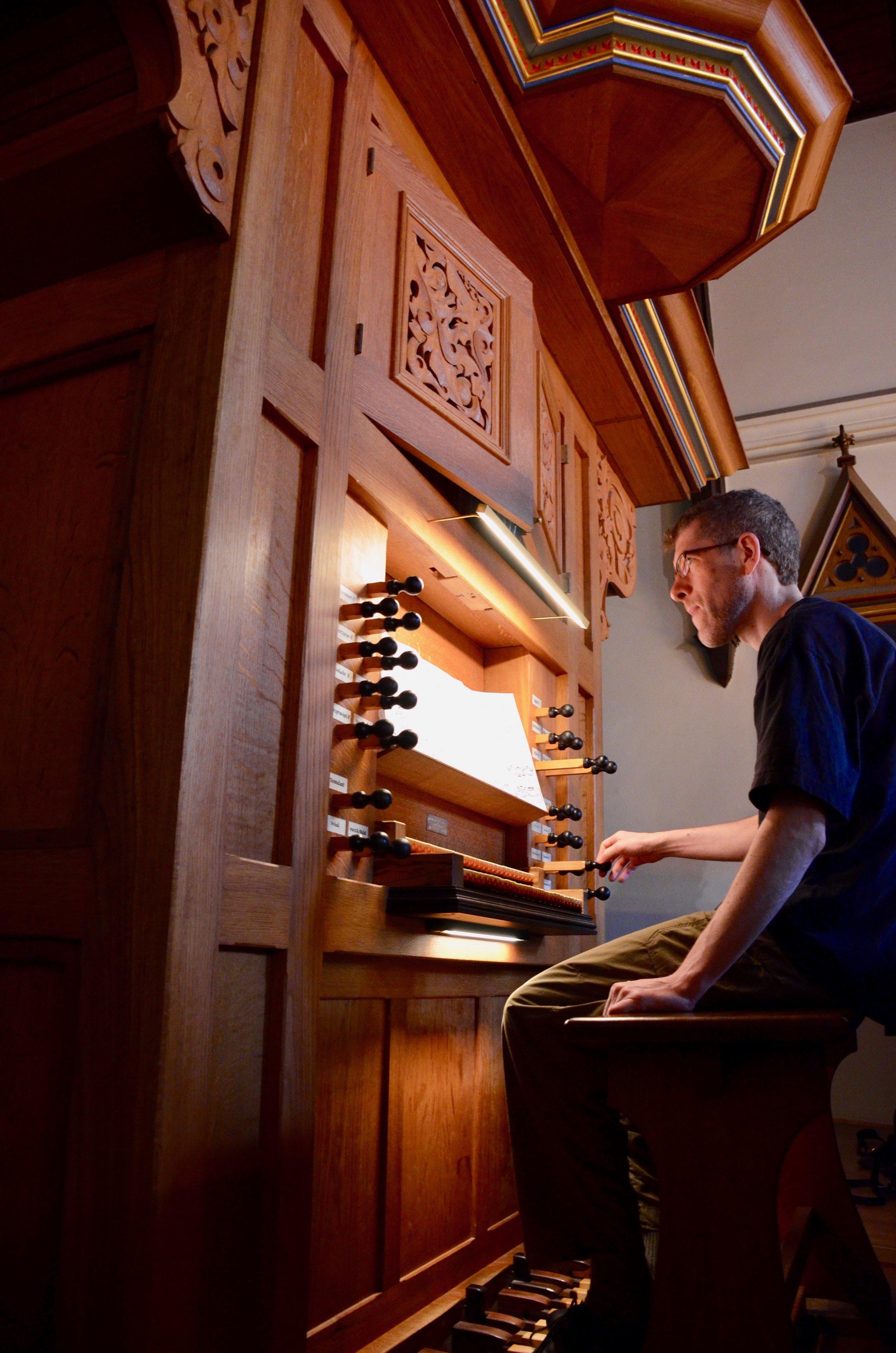 Chris Porter plays the 1992 Brombaugh organ, Haga Church, Göteborg, Sweden.
