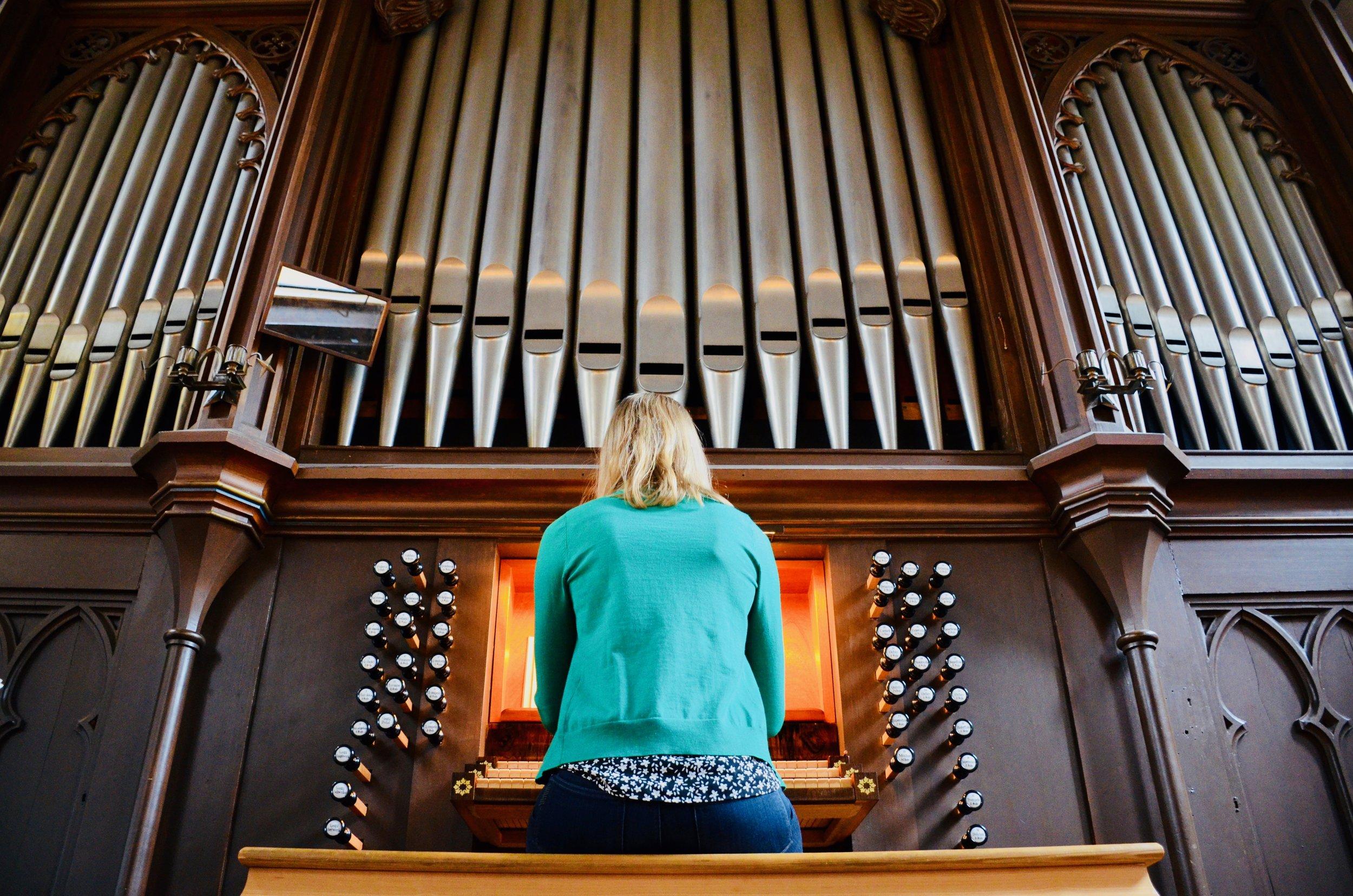 Laura Gullett plays the 1861 Marcussen & Søn organ in Haga Church, Göteborg, Sweden.