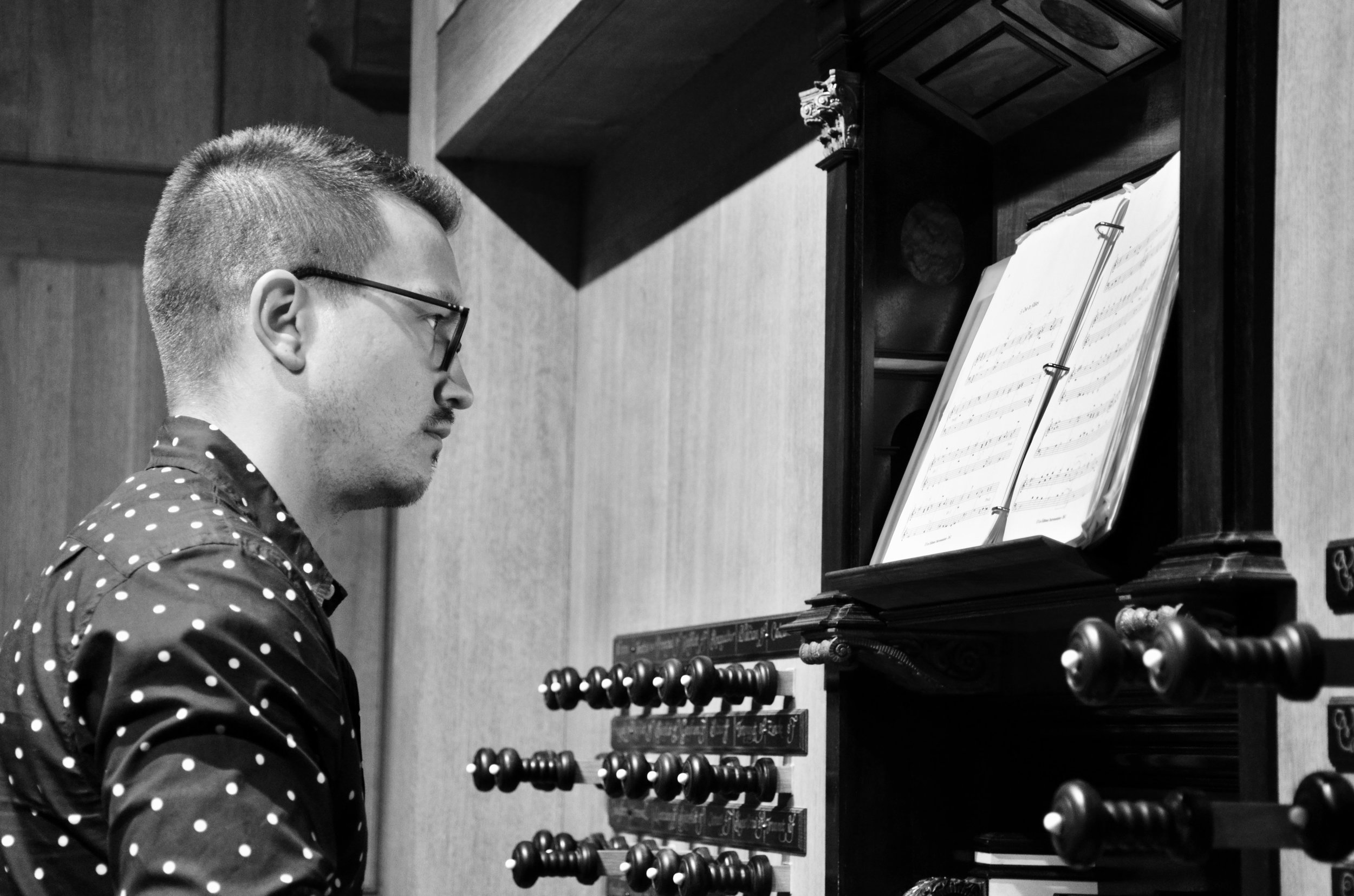 Corey De Tar plays the 2000 GoART North German Baroque Research Organ in Örgryte New Church, Göteborg, Sweden.