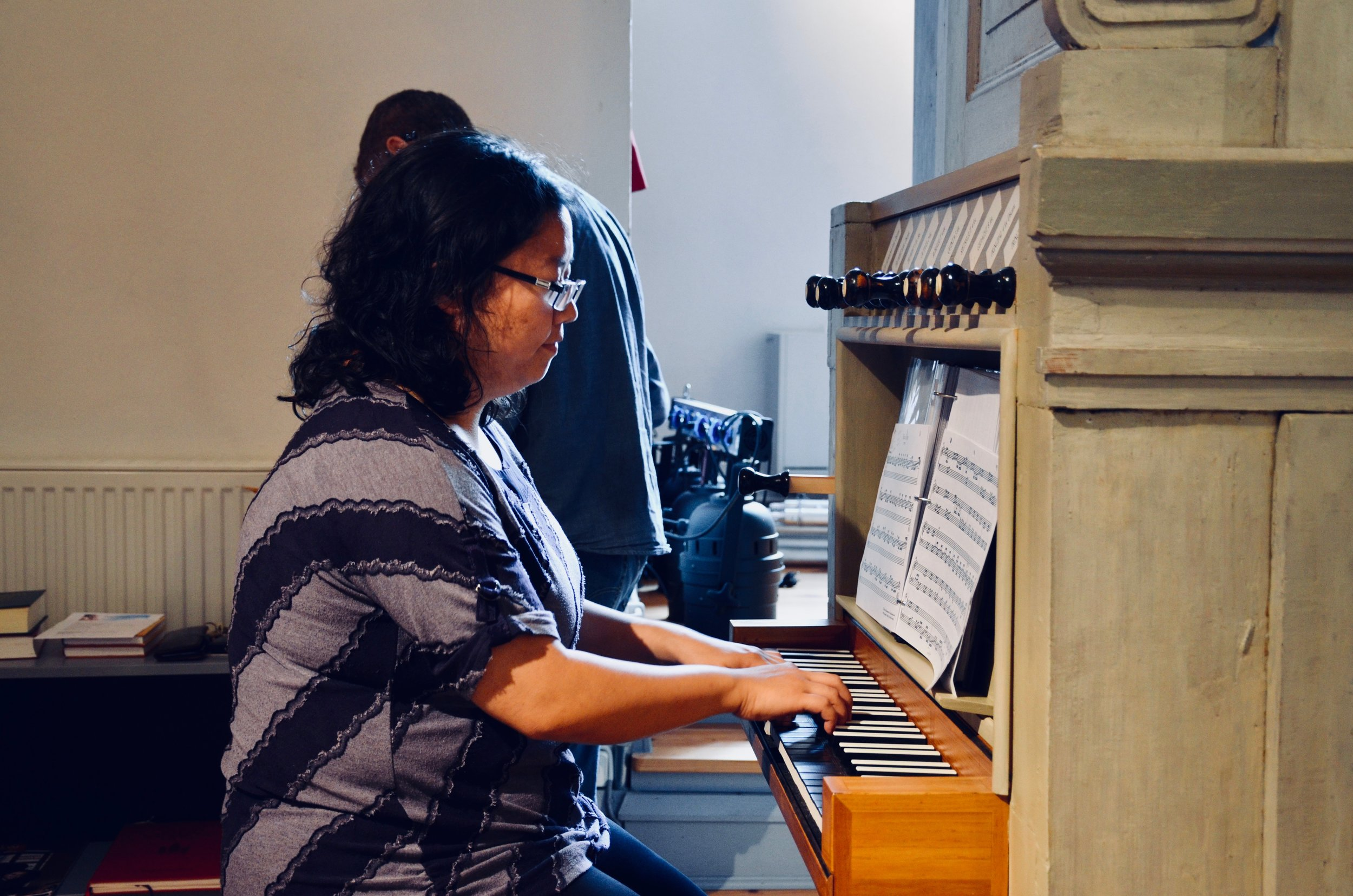 Jennifer Hsiao plays the 1783 Schiörlin organ in Jonsered, Sweden.
