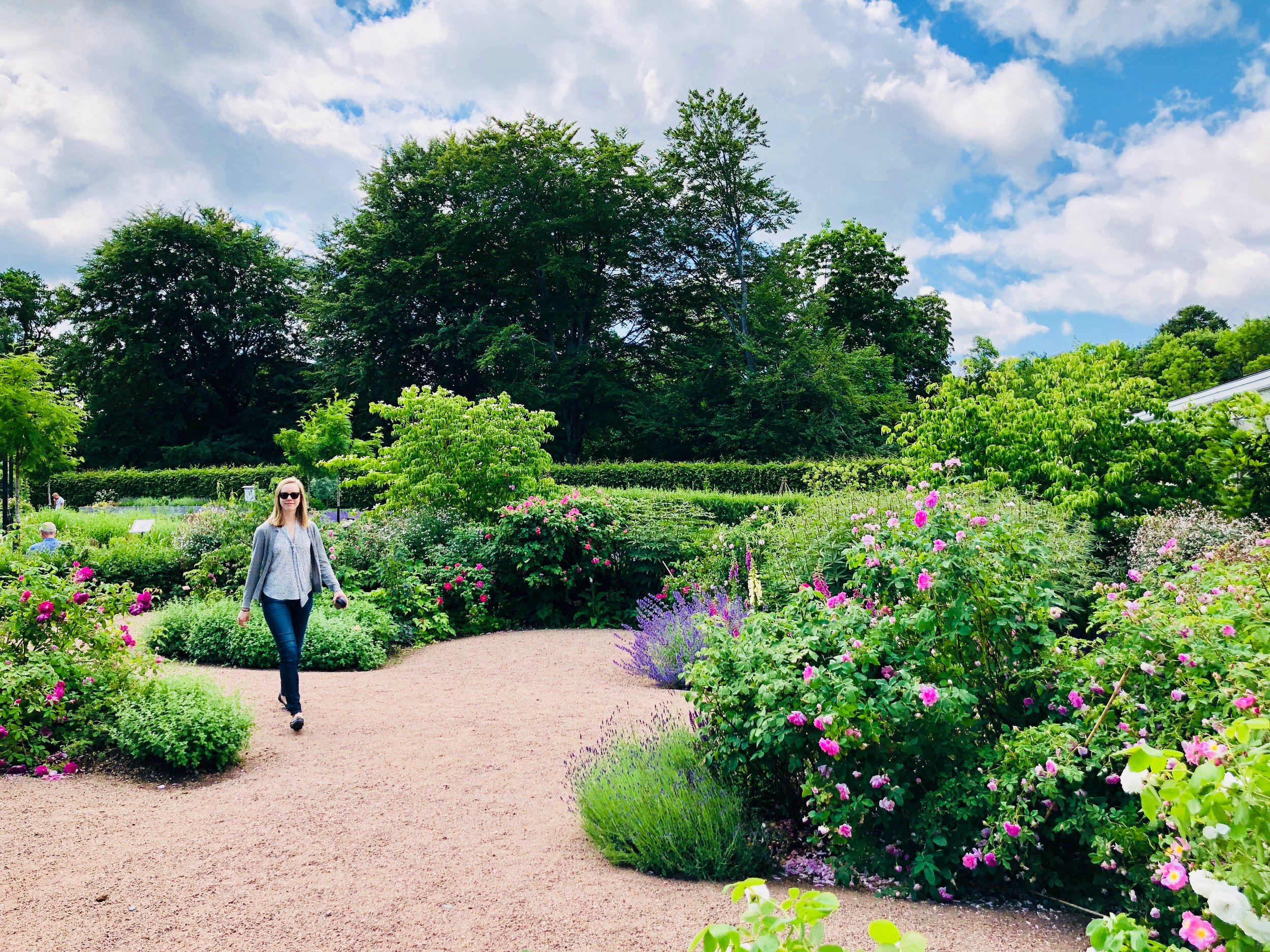 Laura Gullett in the gardens!