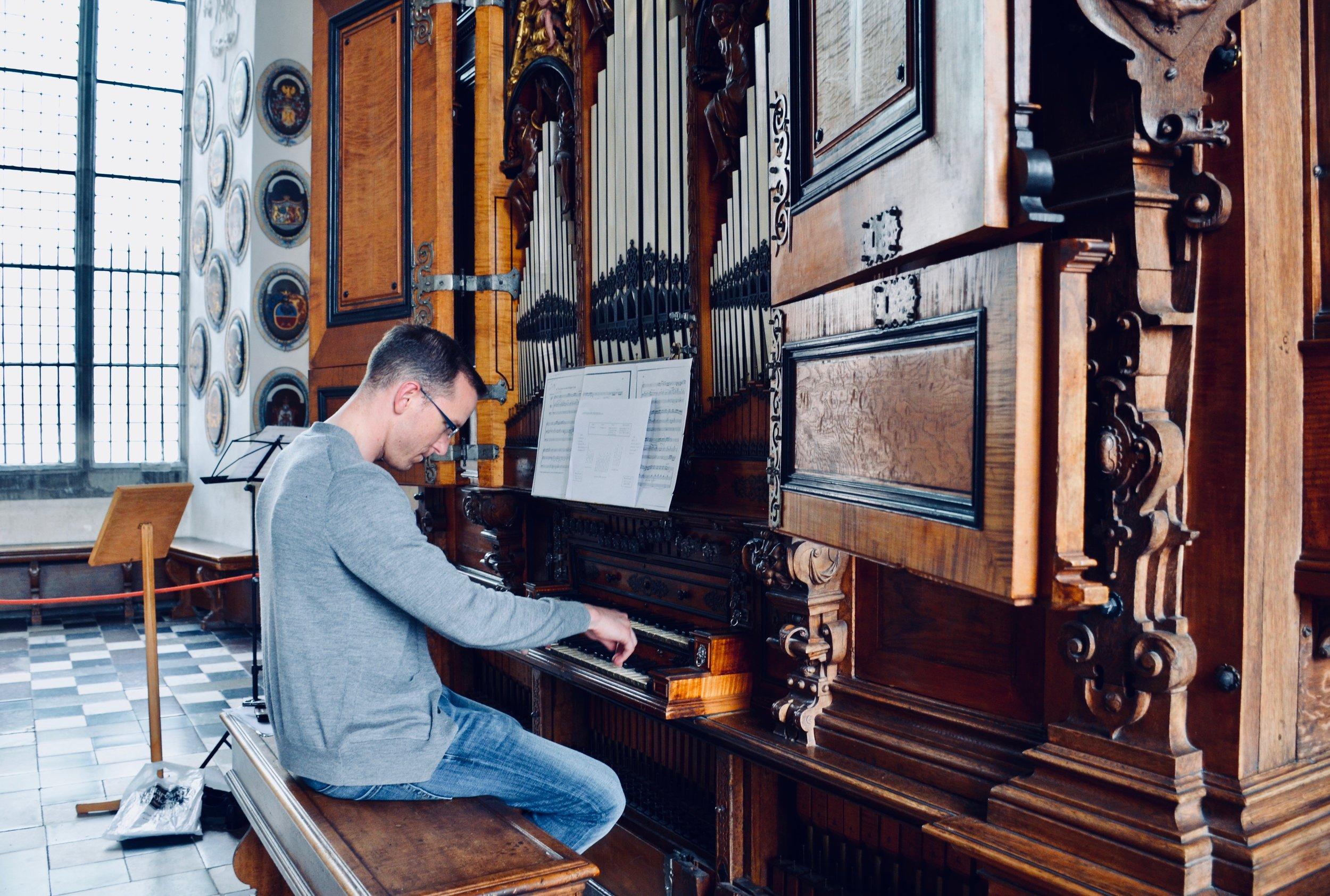 Christian Lane plays the 1610 Compenius organ, Frederiksborg Castle, Hillerød, Denmark.