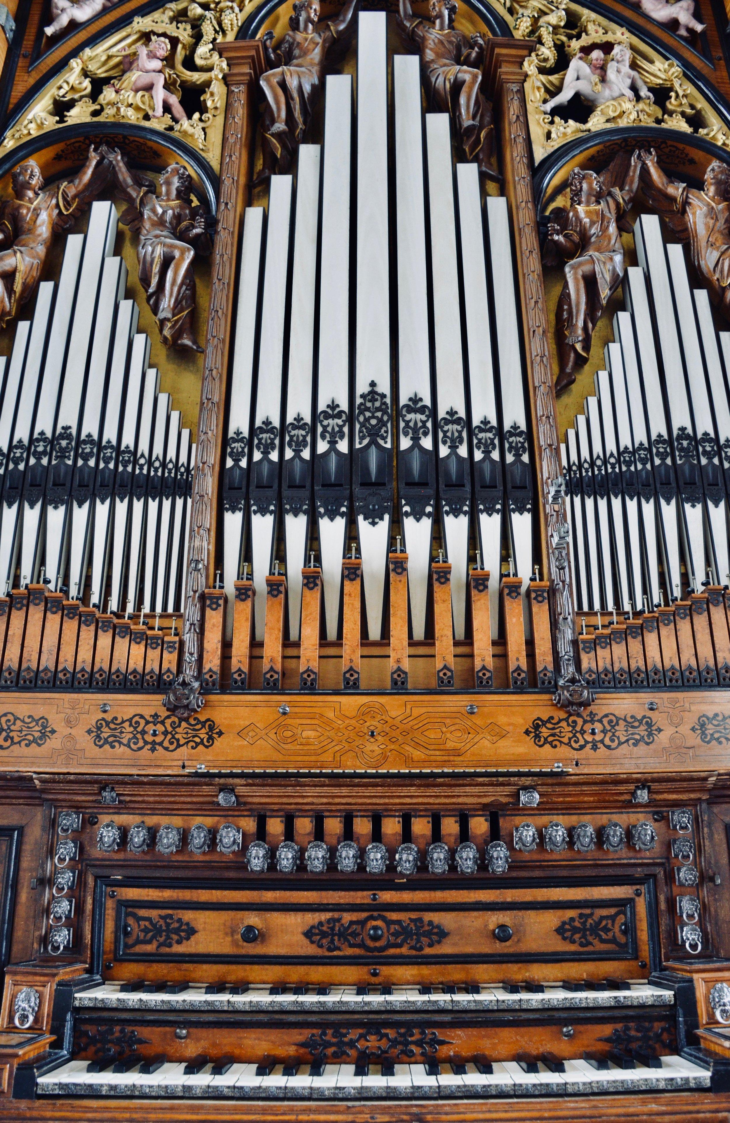 Keydesk and façade detail,1610 Compenius organ, Frederiksborg Castle, Hillerød, Denmark.
