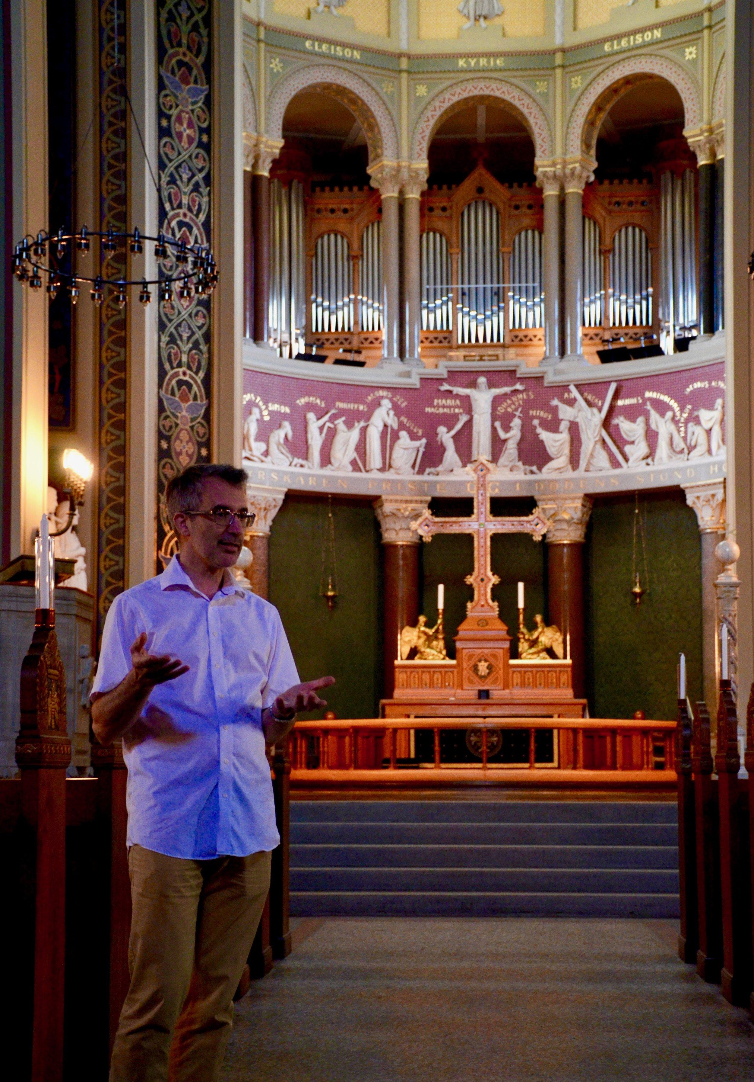Sven Verner Olsen introduces the 1890 Cavaillé-Coll organ of Jesuskirke, Copenhagen.