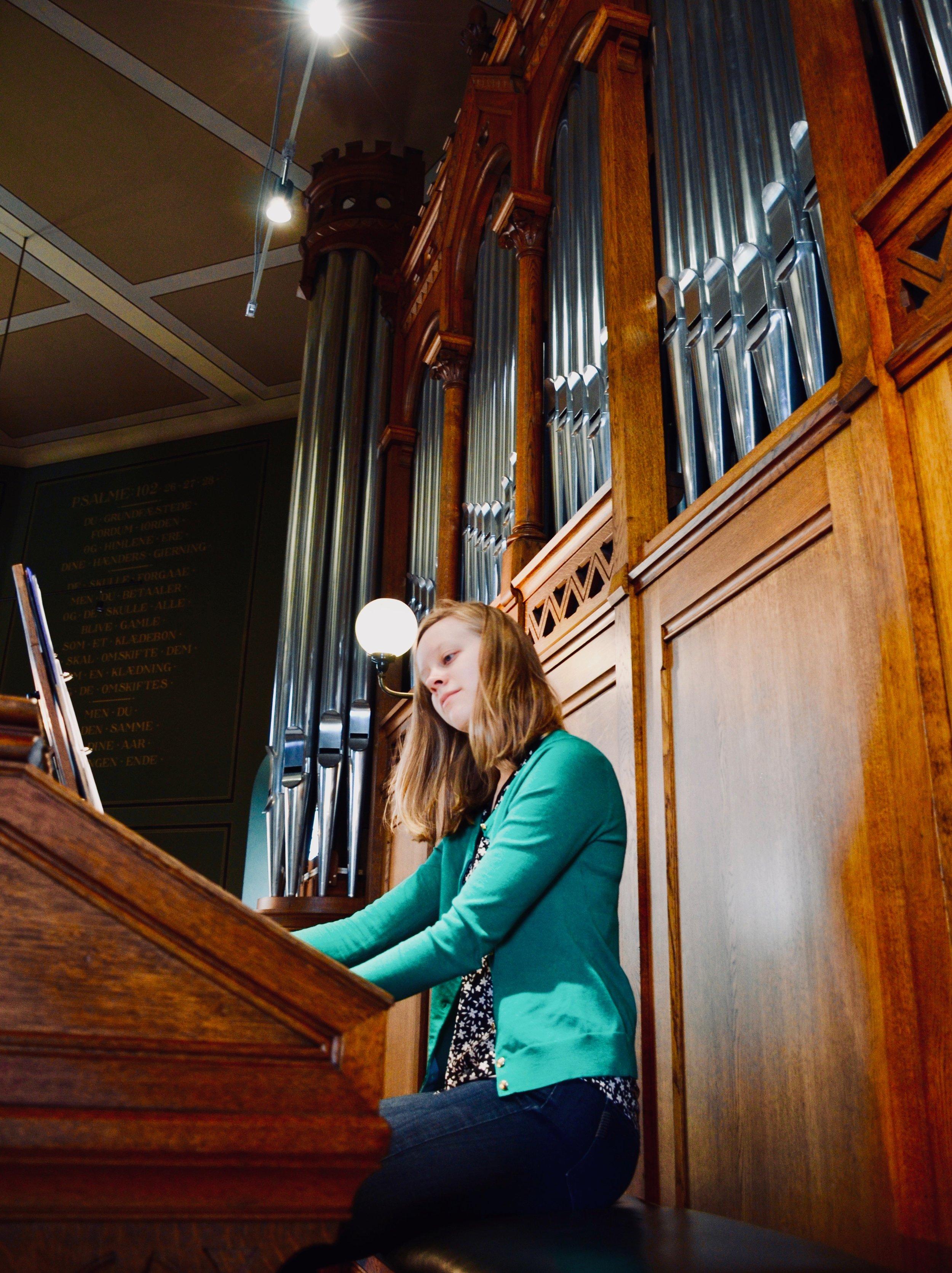 Laura Gullett plays the 1890 Cavaillé-Coll organ, Jesuskirke, Copenhagen.