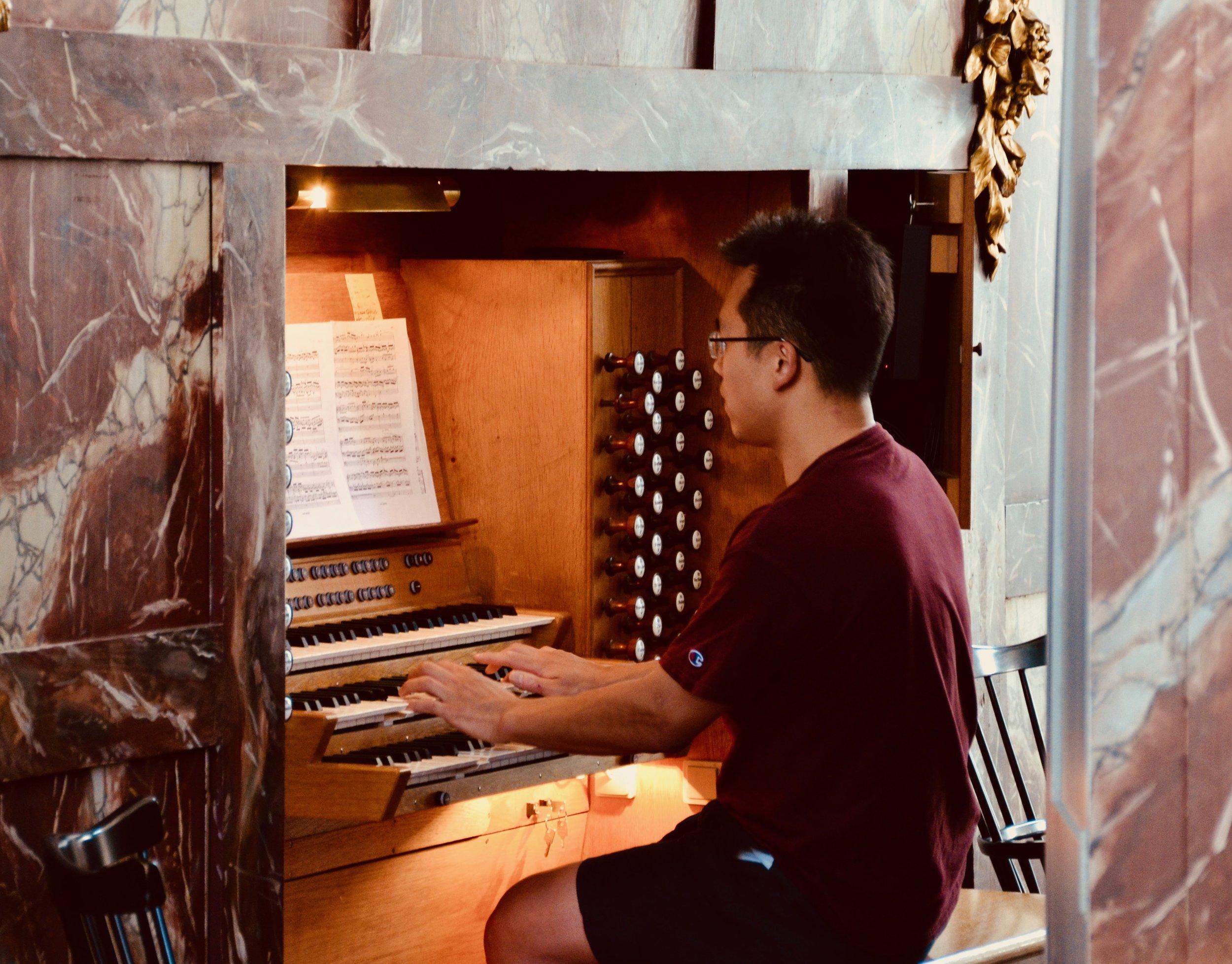 Adrian Cho plays the gallery organ, Trinitatis Kirke, Copenhagen.