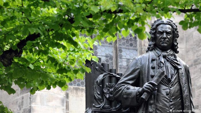 Johann Sebastian Bach, outside Thomaskirche, Leipzig