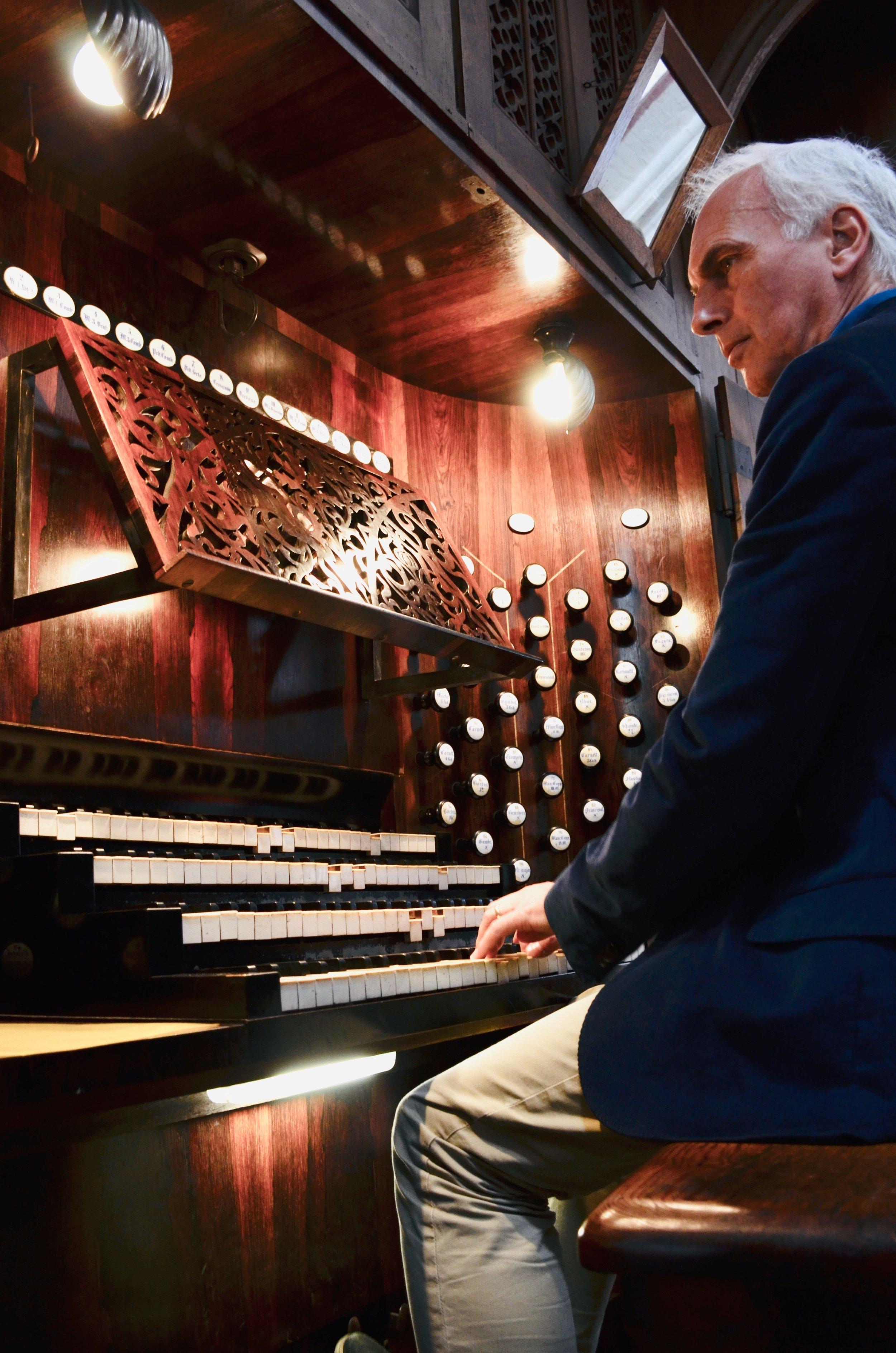 Prof. Jan Ernst demonstrates the 1871 Ladegast organ in Schwerin Cathedral. Boston Organ Studio.