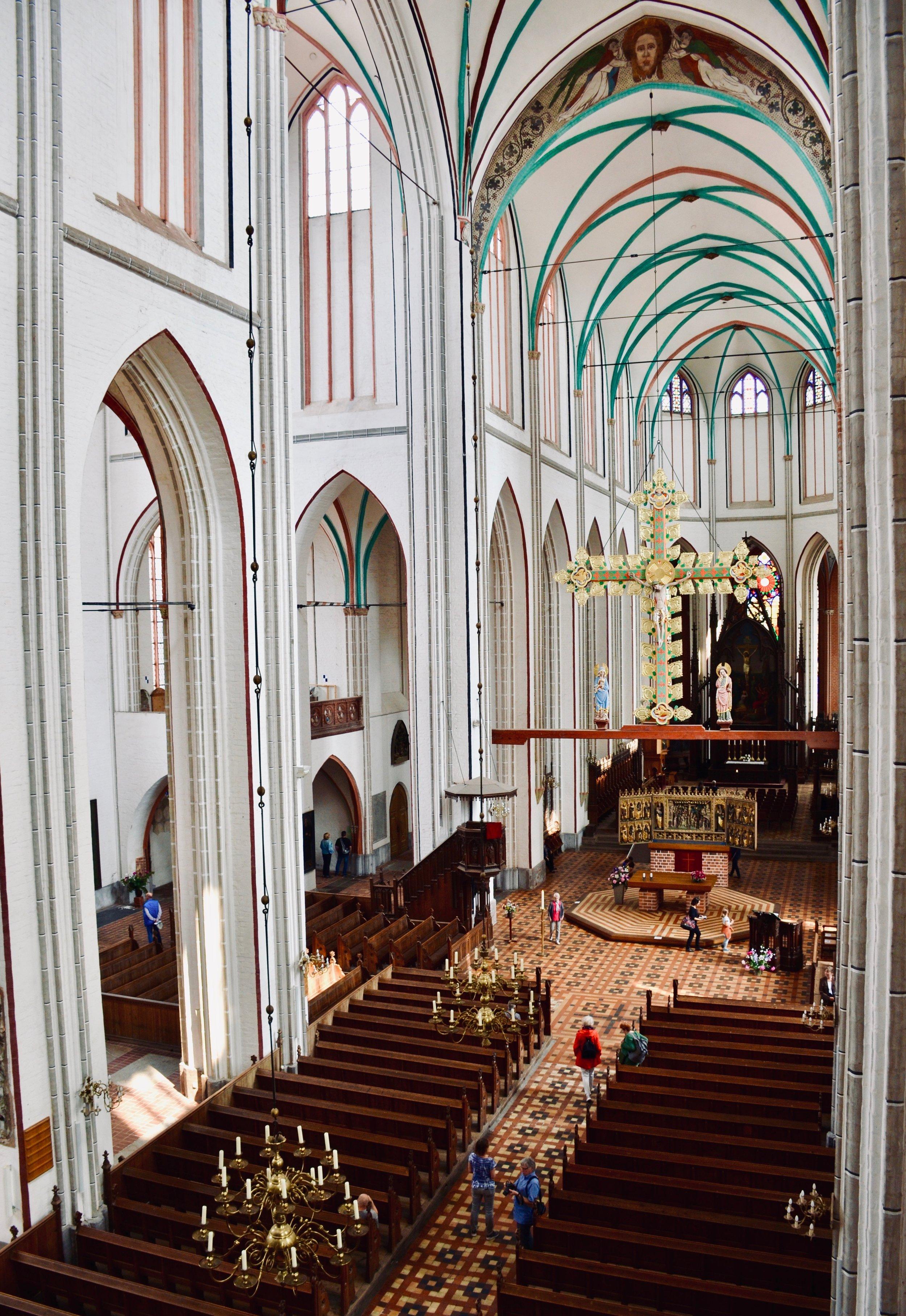 Nave, Schwerin Dom. Boston Organ Studio.