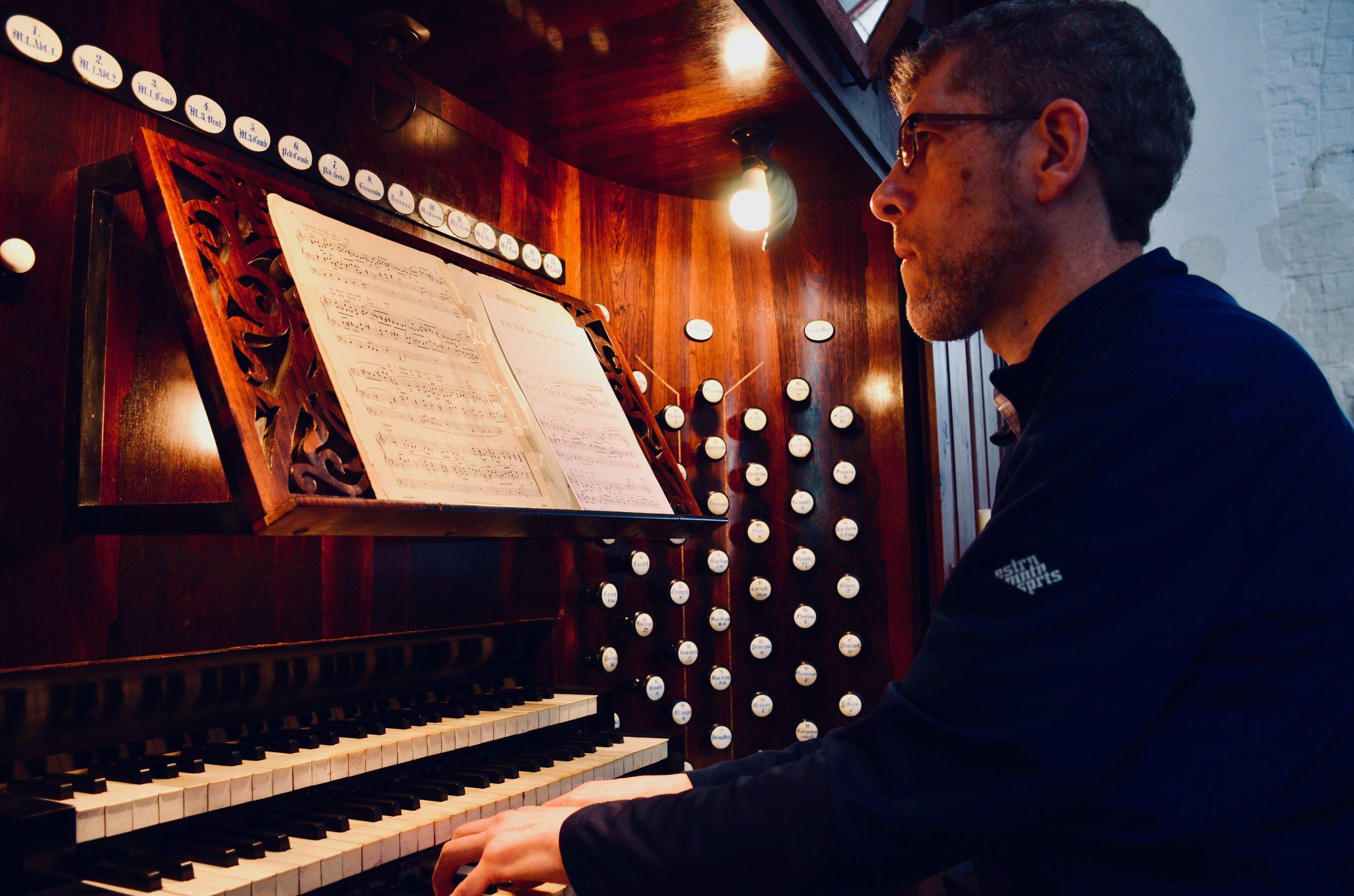 Chris Porter plays 1871 Ladegast Organ, Schwerin Dom. Boston Organ Studio.