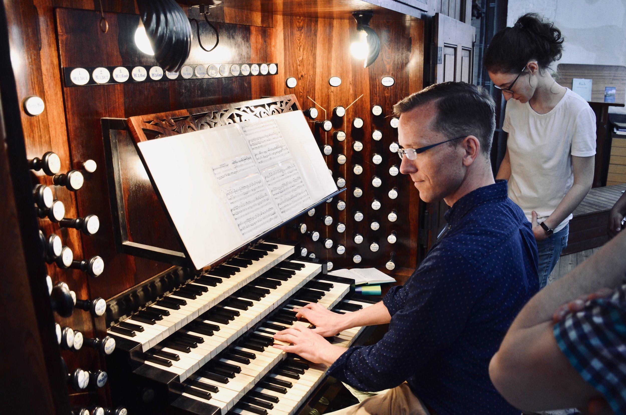 Christian Lane plays 1871 Ladegast organ, Schwerin Dom.