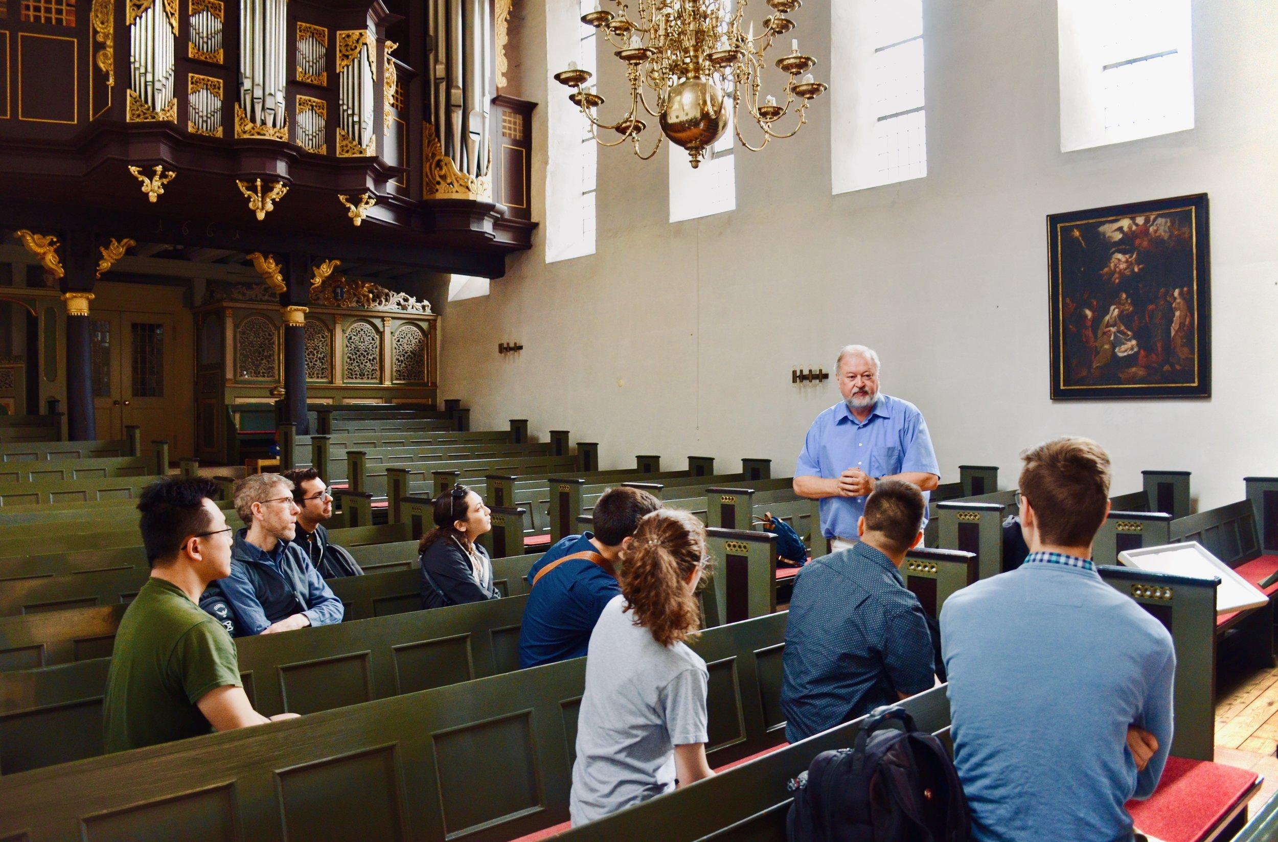 Prof. Martin Böcker introduces the 1669–73 Huß/Schnitger organ in St. Cosmæ, Stade. Boston Organ Studio.