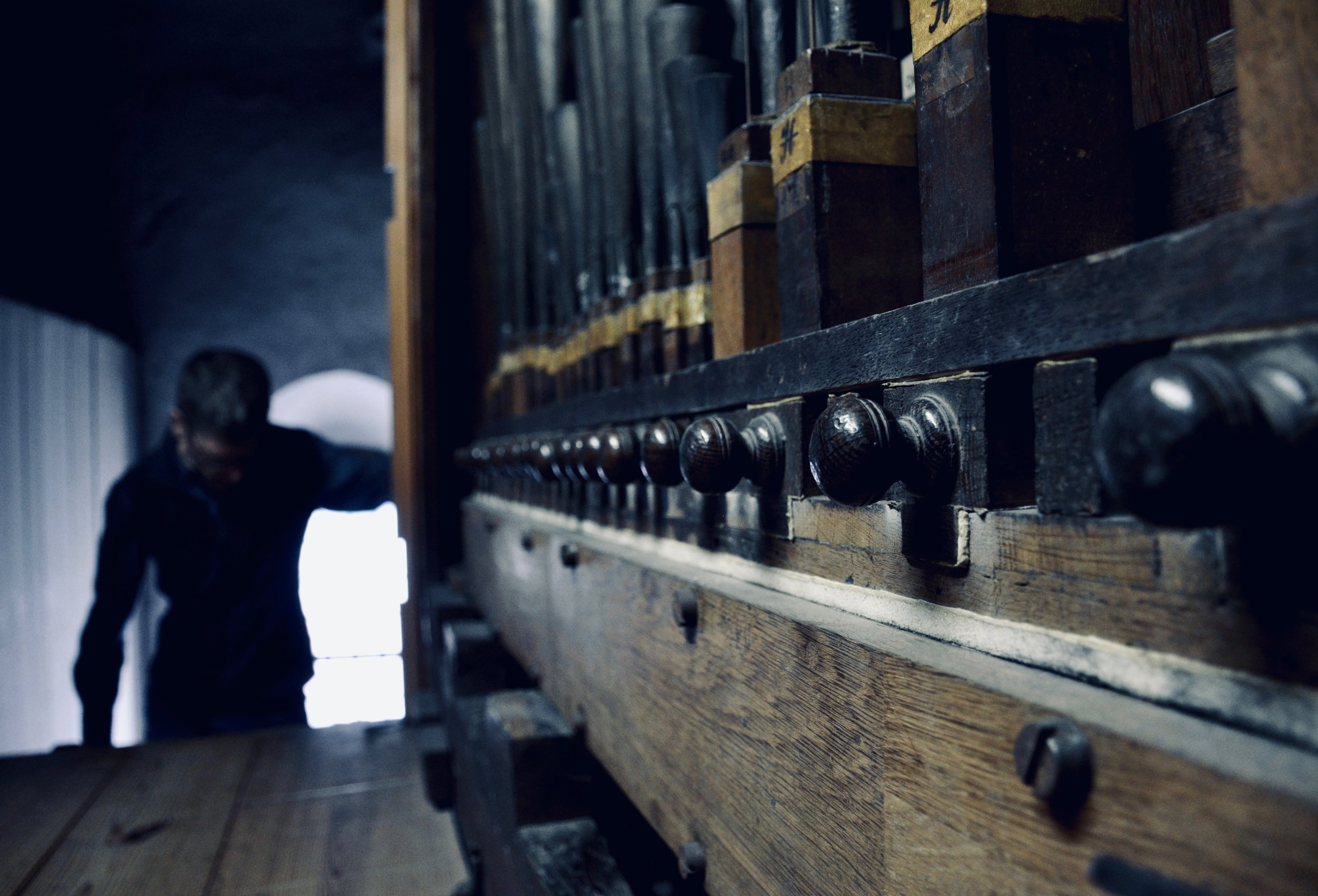 Mechanical detail (spring chests), 1669–73 Huß/Schnitger organ in St. Cosmæ, Stade. Boston Organ Studio.